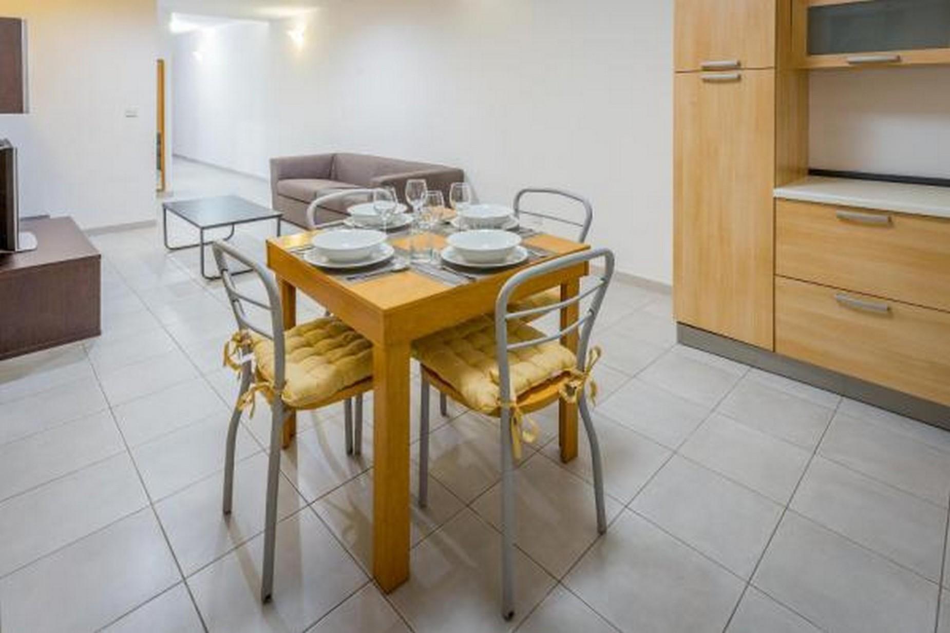 2 bed Apartment For Rent in Sliema, Sliema - thumb 4
