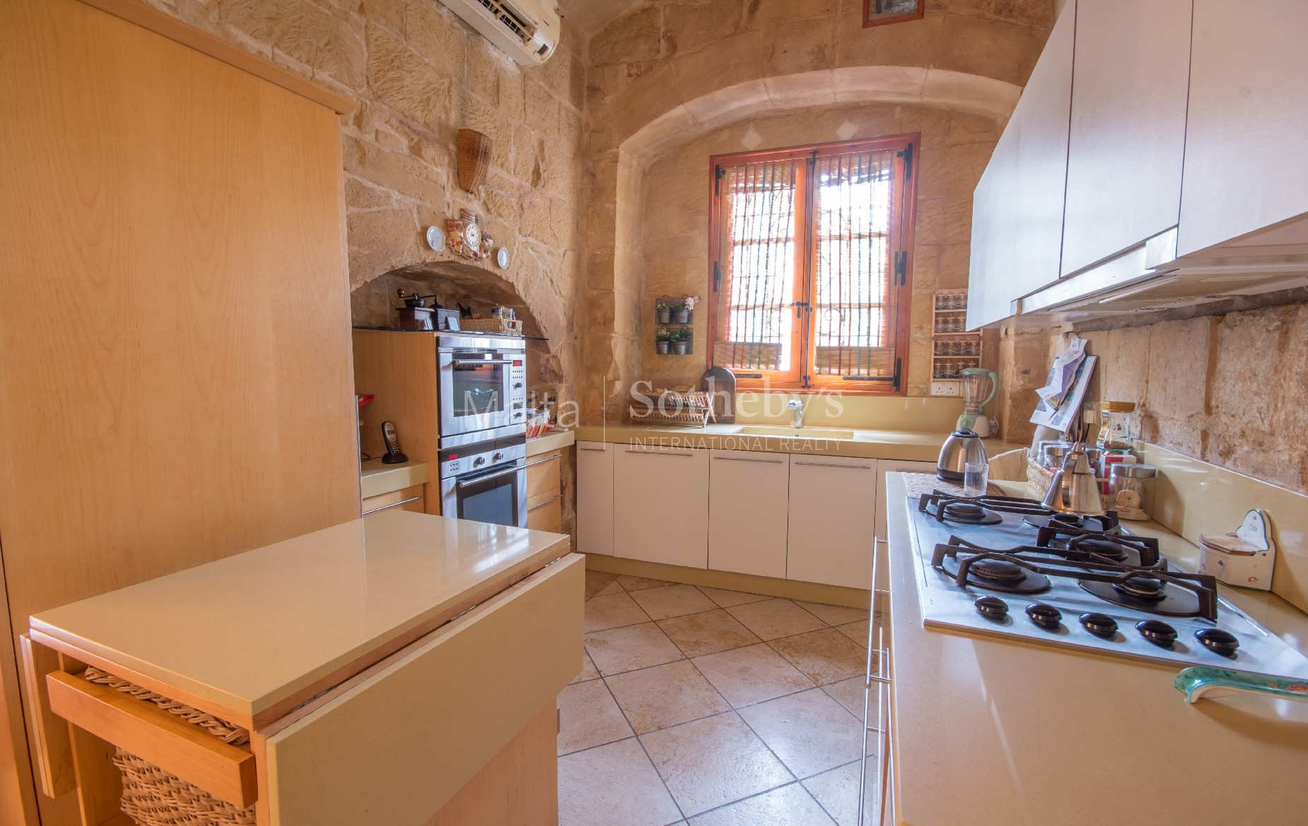 4 bed House of Character For Sale in Birkirkara, Birkirkara - thumb 8
