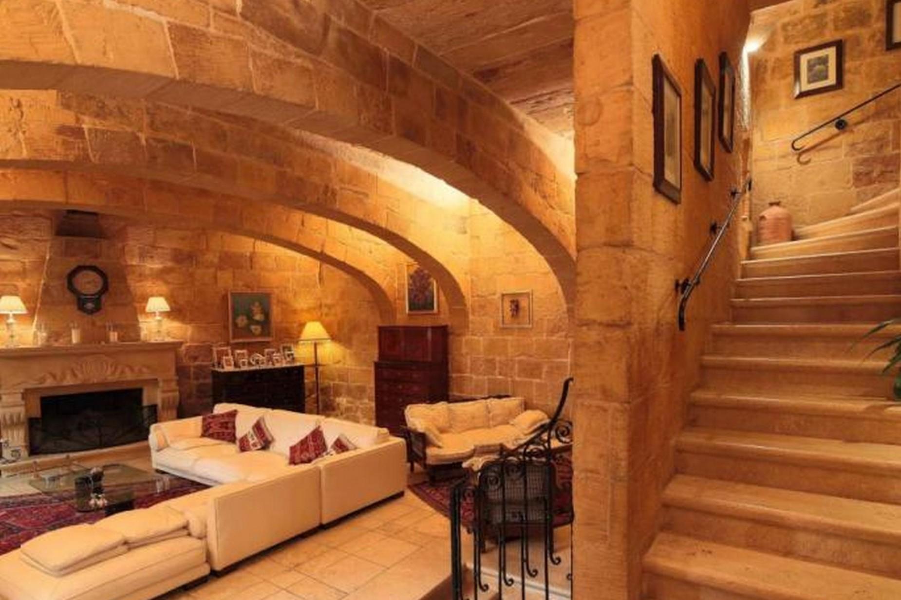 4 bed House of Character For Rent in Birkirkara, Birkirkara - thumb 4