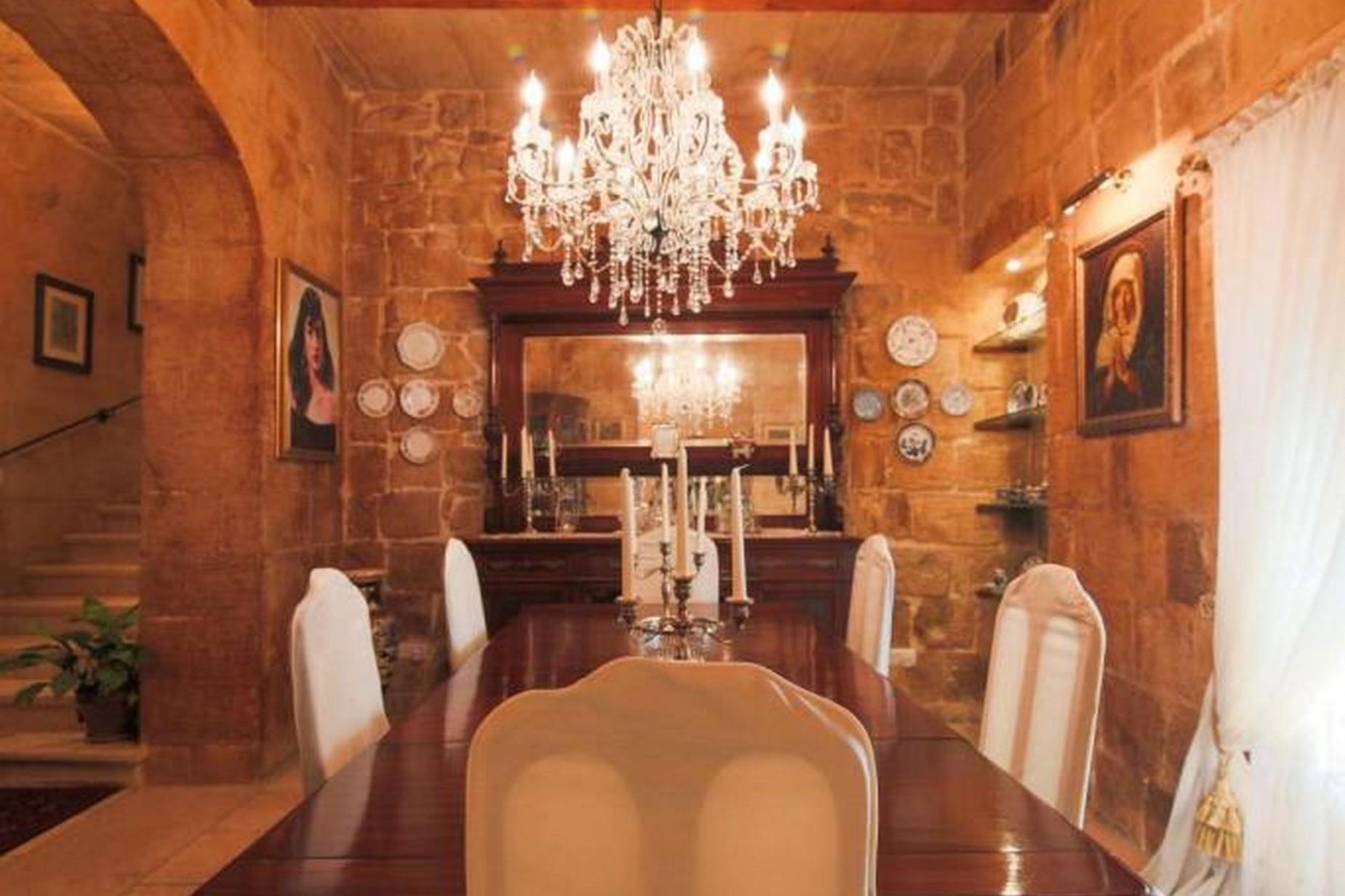 4 bed House of Character For Rent in Birkirkara, Birkirkara - thumb 2