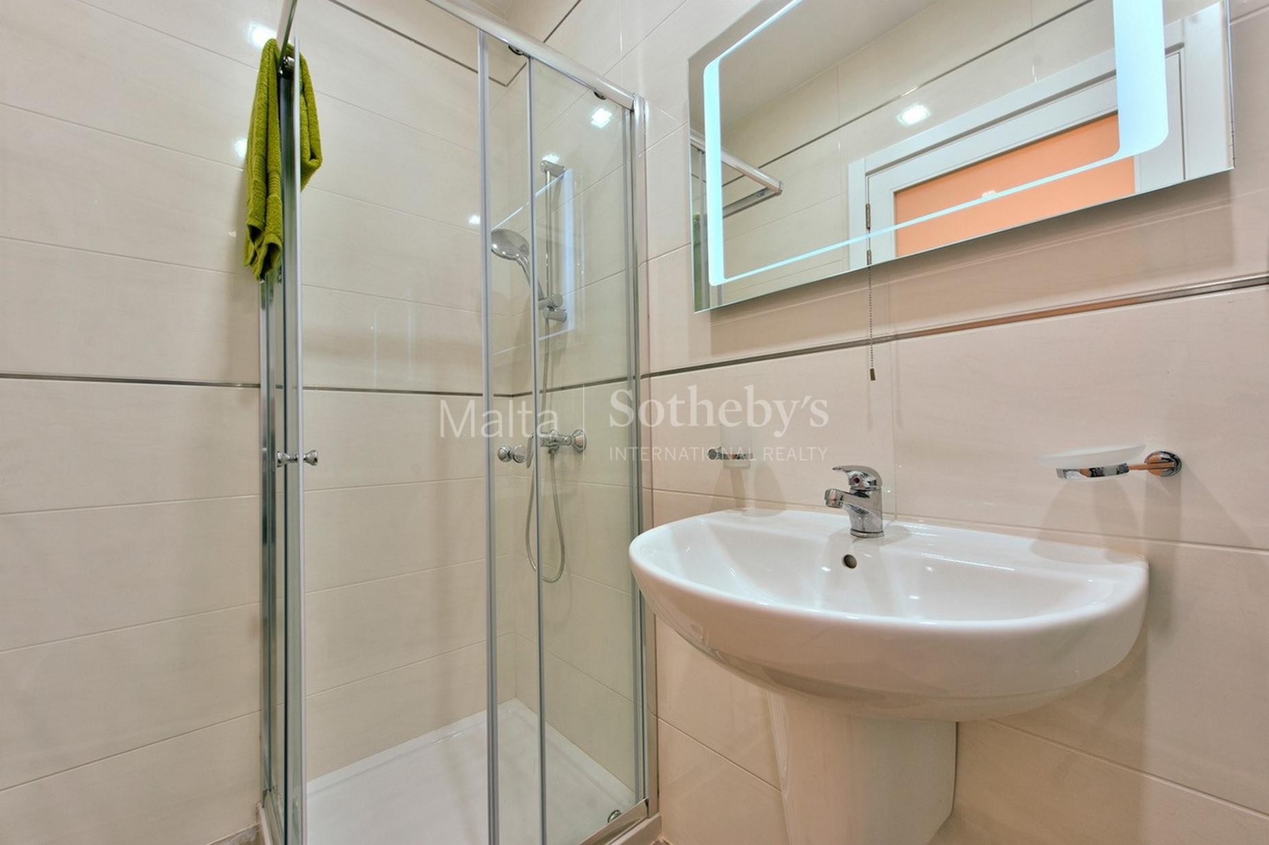 3 bed Maisonette For Rent in Sliema, Sliema - thumb 8