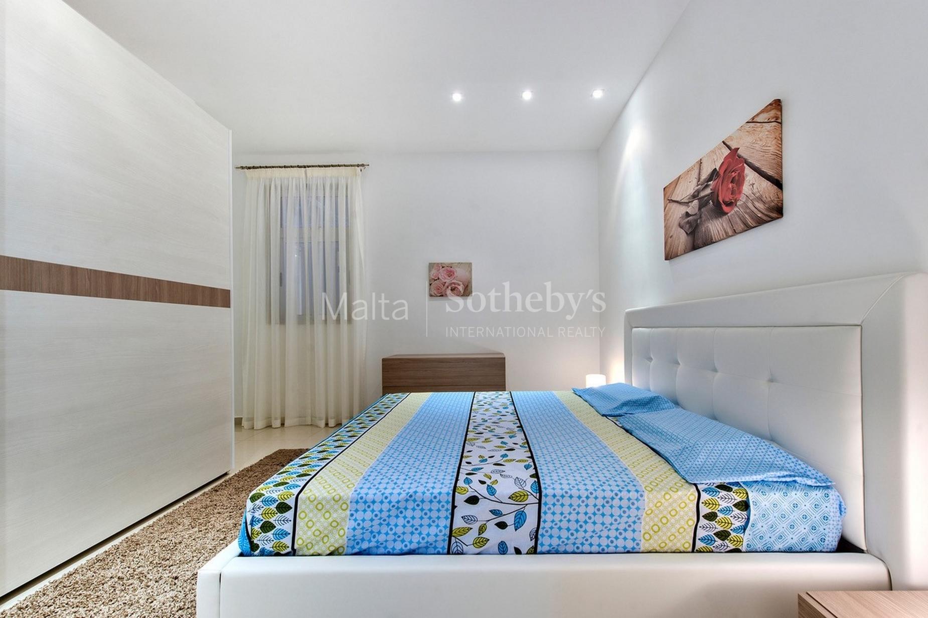 3 bed Maisonette For Rent in Sliema, Sliema - thumb 7
