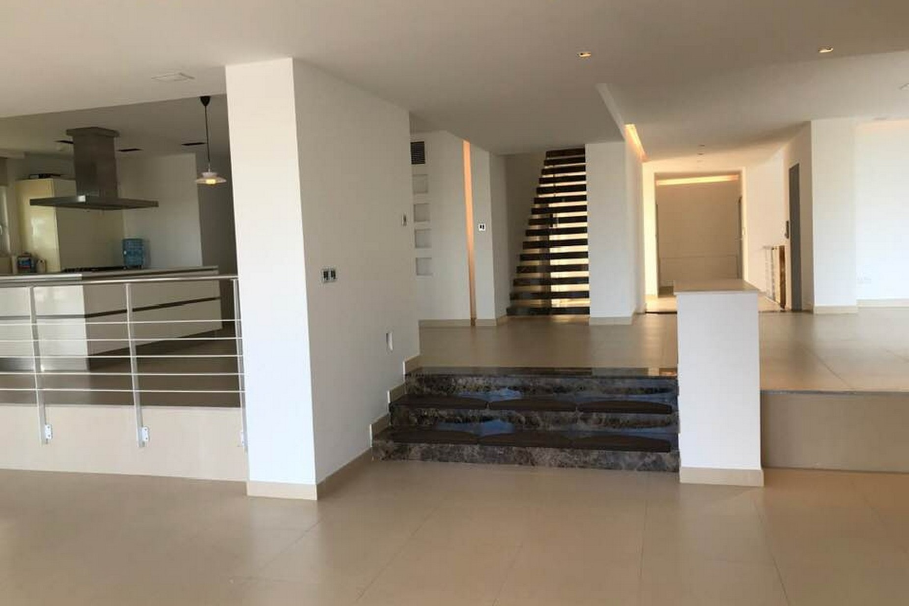 6 bed Villa For Rent in Madliena, Madliena - thumb 3