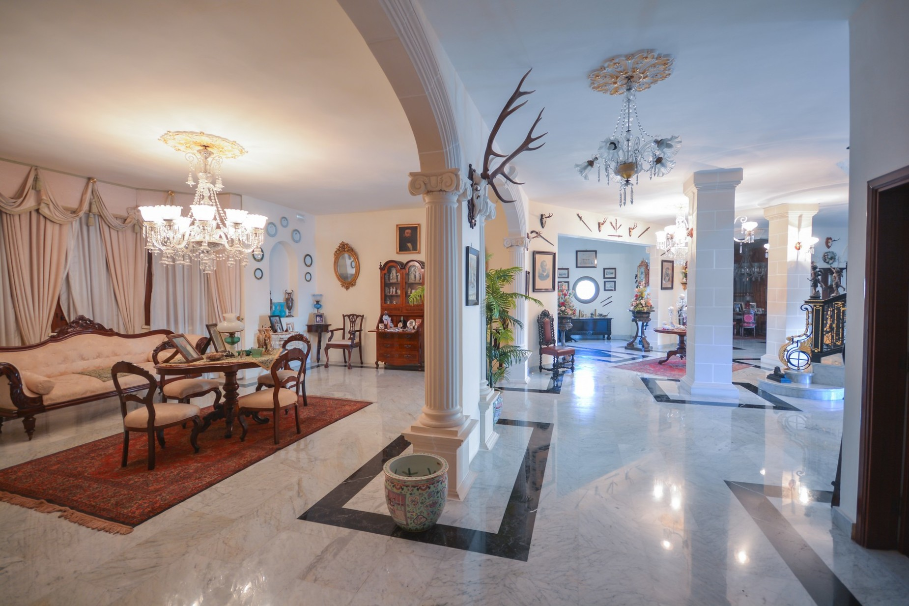 10 bed Villa For Sale in Madliena, Madliena - thumb 5