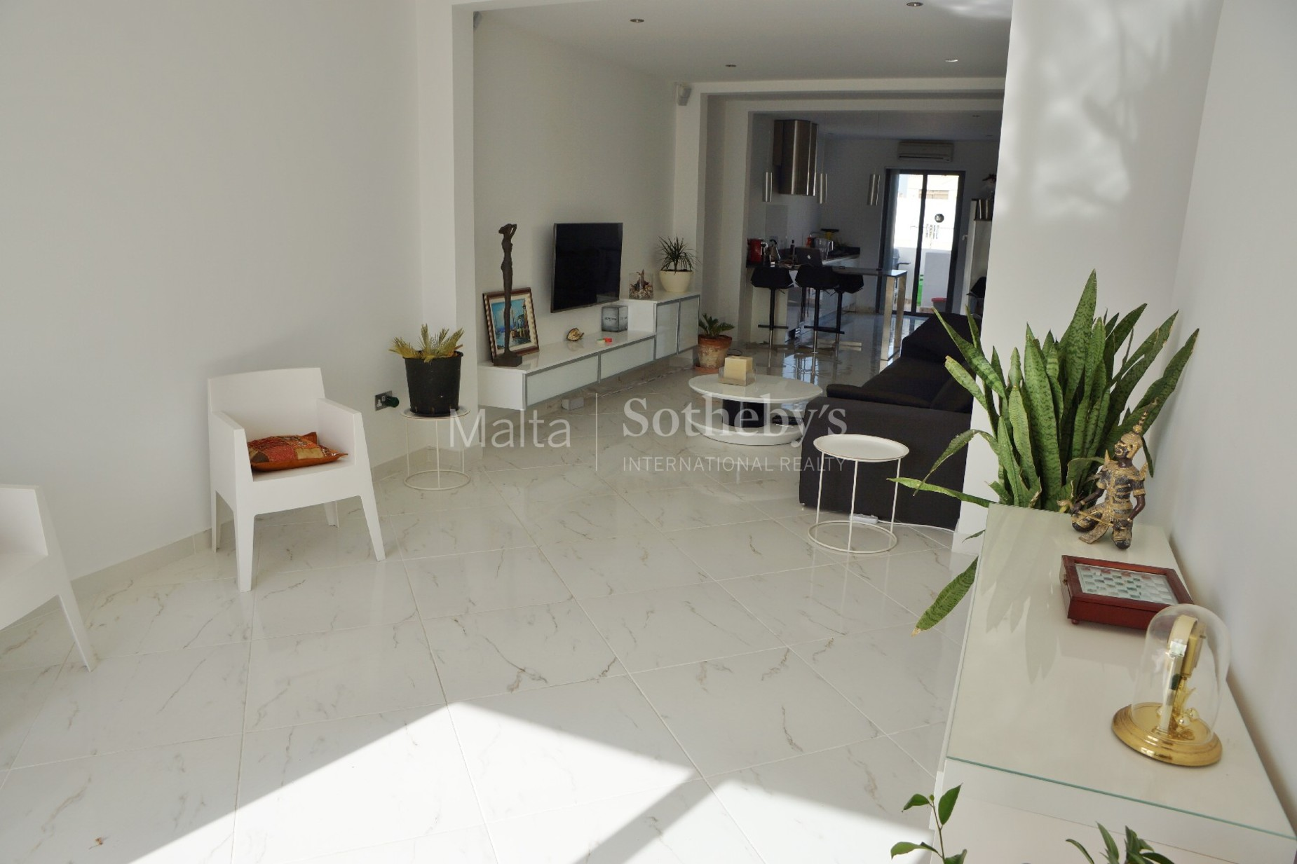 2 bed Penthouse For Rent in Sliema, Sliema - thumb 2