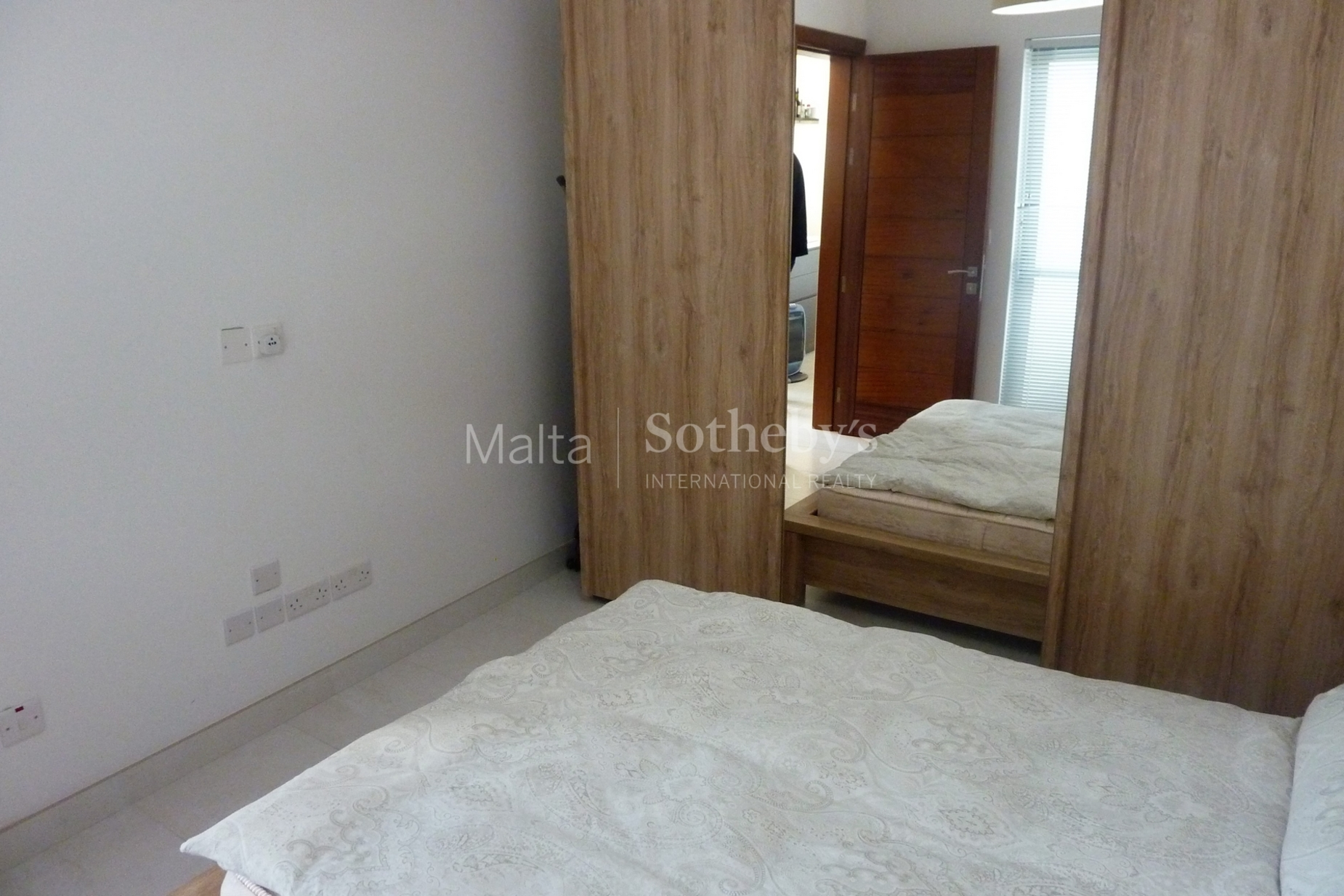 0 bed Penthouse For Rent in St Julian's, St Julian's - thumb 9