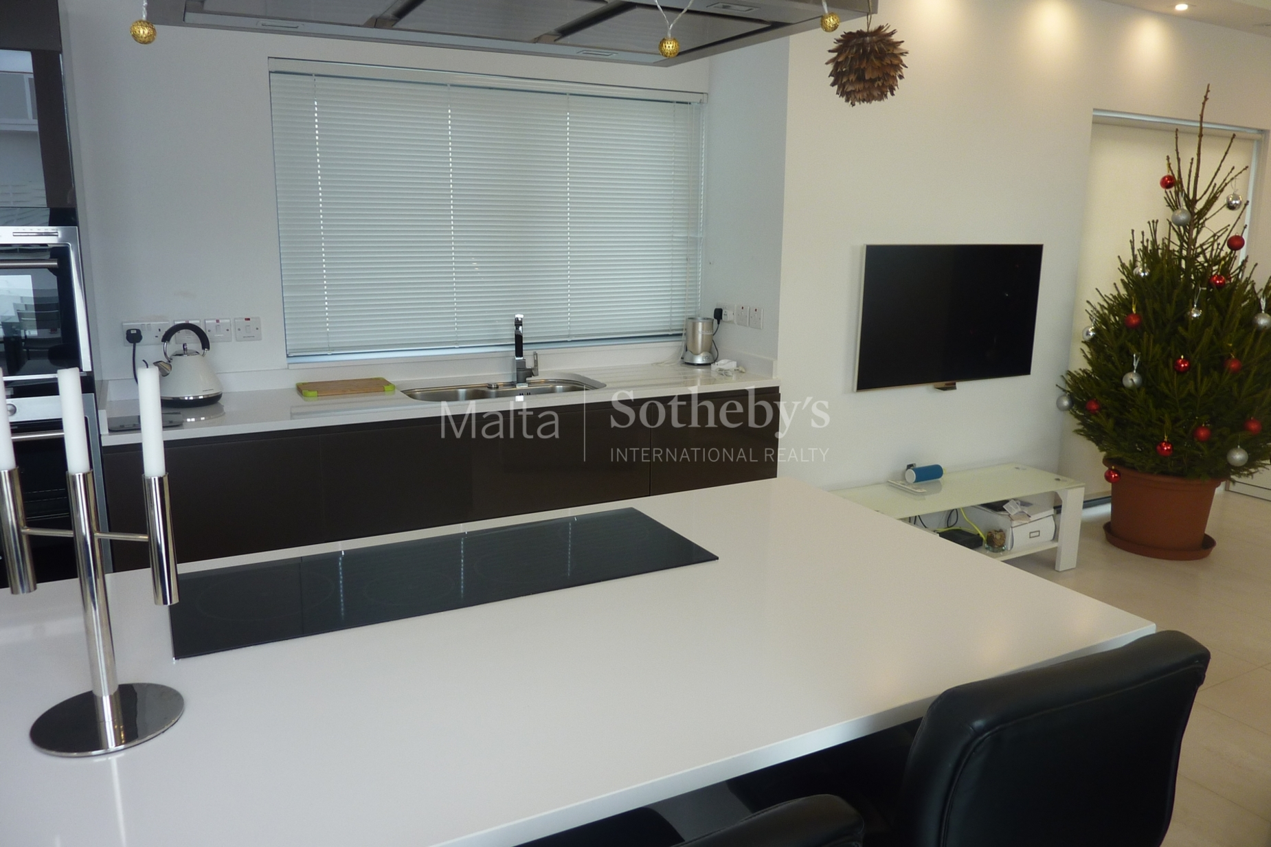 0 bed Penthouse For Rent in St Julian's, St Julian's - thumb 5