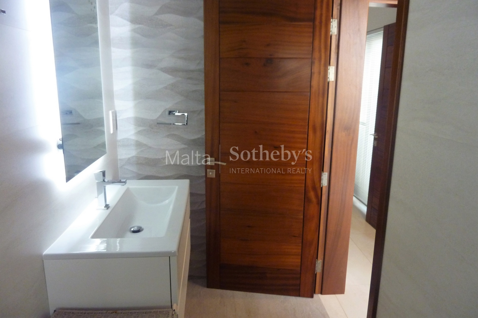 0 bed Penthouse For Rent in St Julian's, St Julian's - thumb 8
