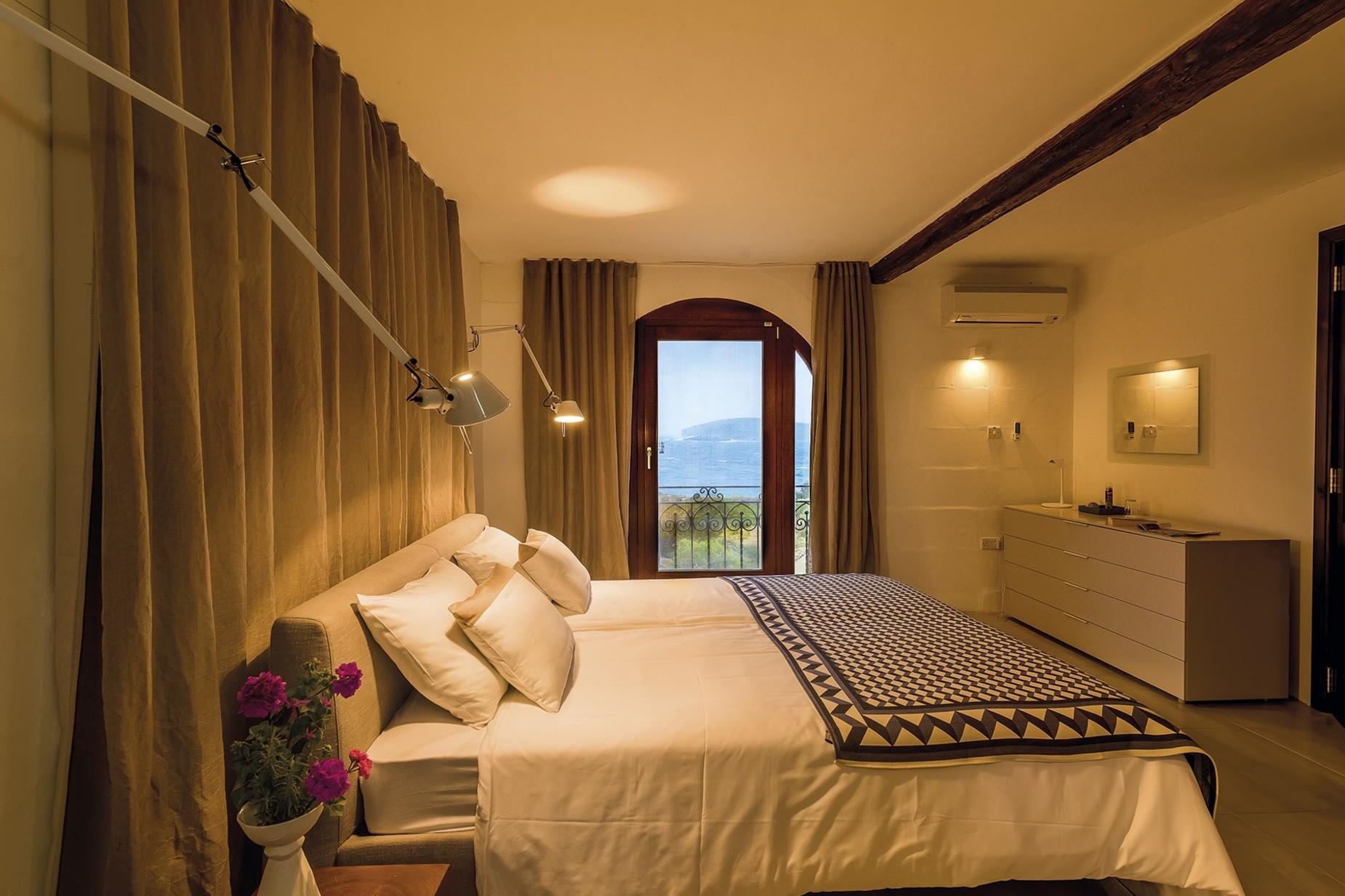 6 bed Villa For Rent in Qala, Qala - thumb 10