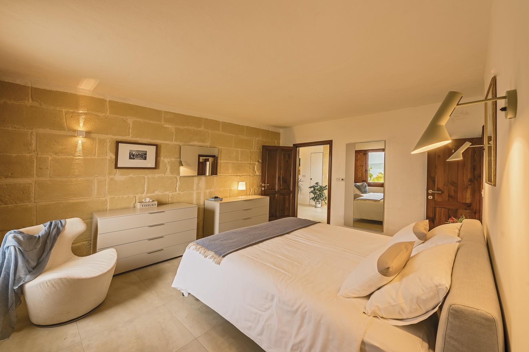 6 bed Villa For Rent in Qala, Qala - thumb 12