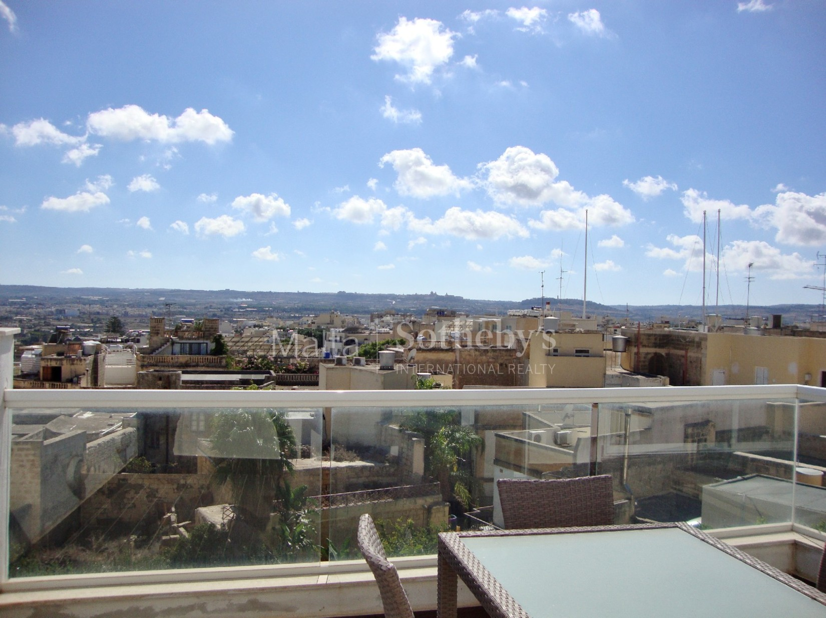 2 bed Penthouse For Rent in Naxxar, Naxxar - thumb 3