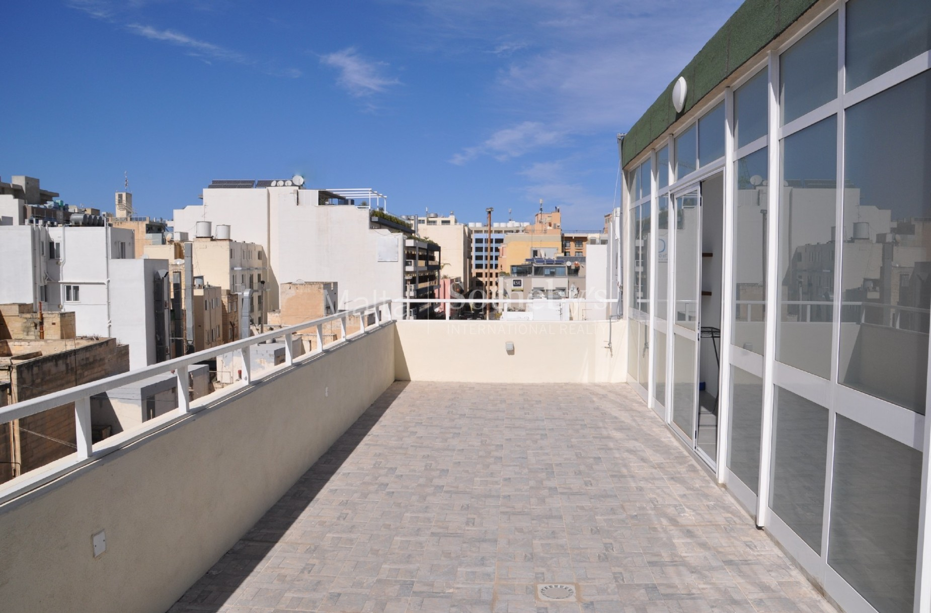 5 bed Apartment For Rent in St Julian's, St Julian's - thumb 4