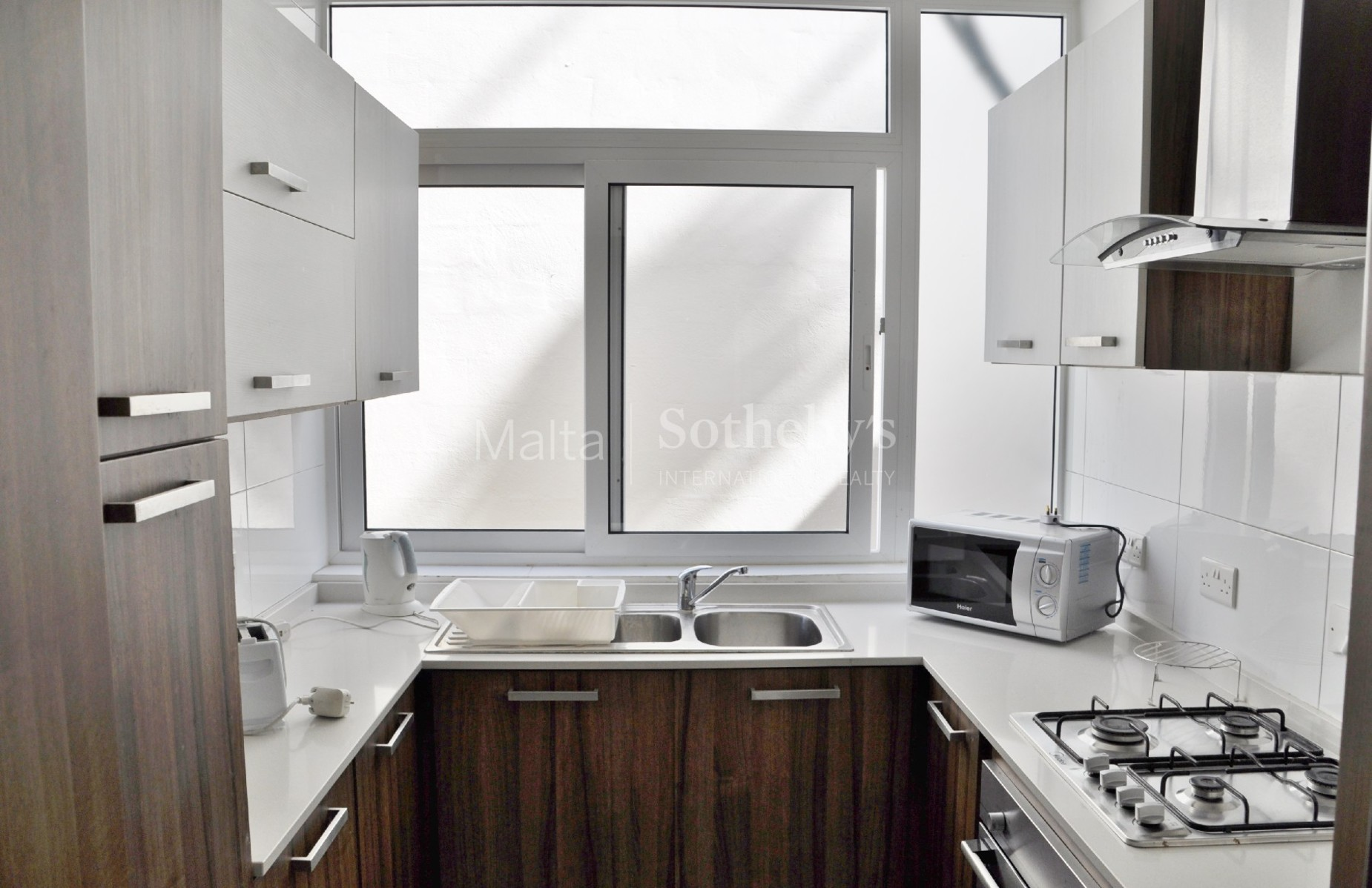 5 bed Apartment For Rent in St Julian's, St Julian's - thumb 6