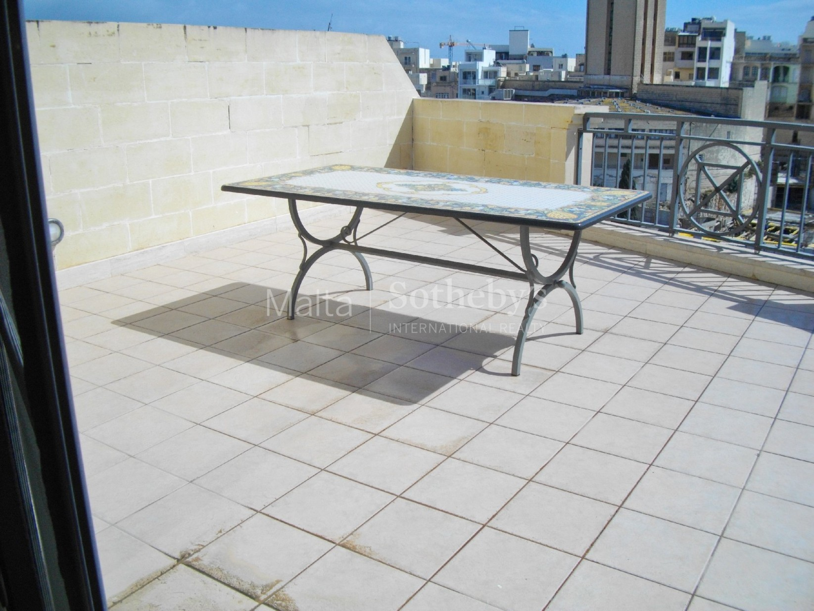 3 bed Penthouse For Rent in St Julian's, St Julian's - thumb 3