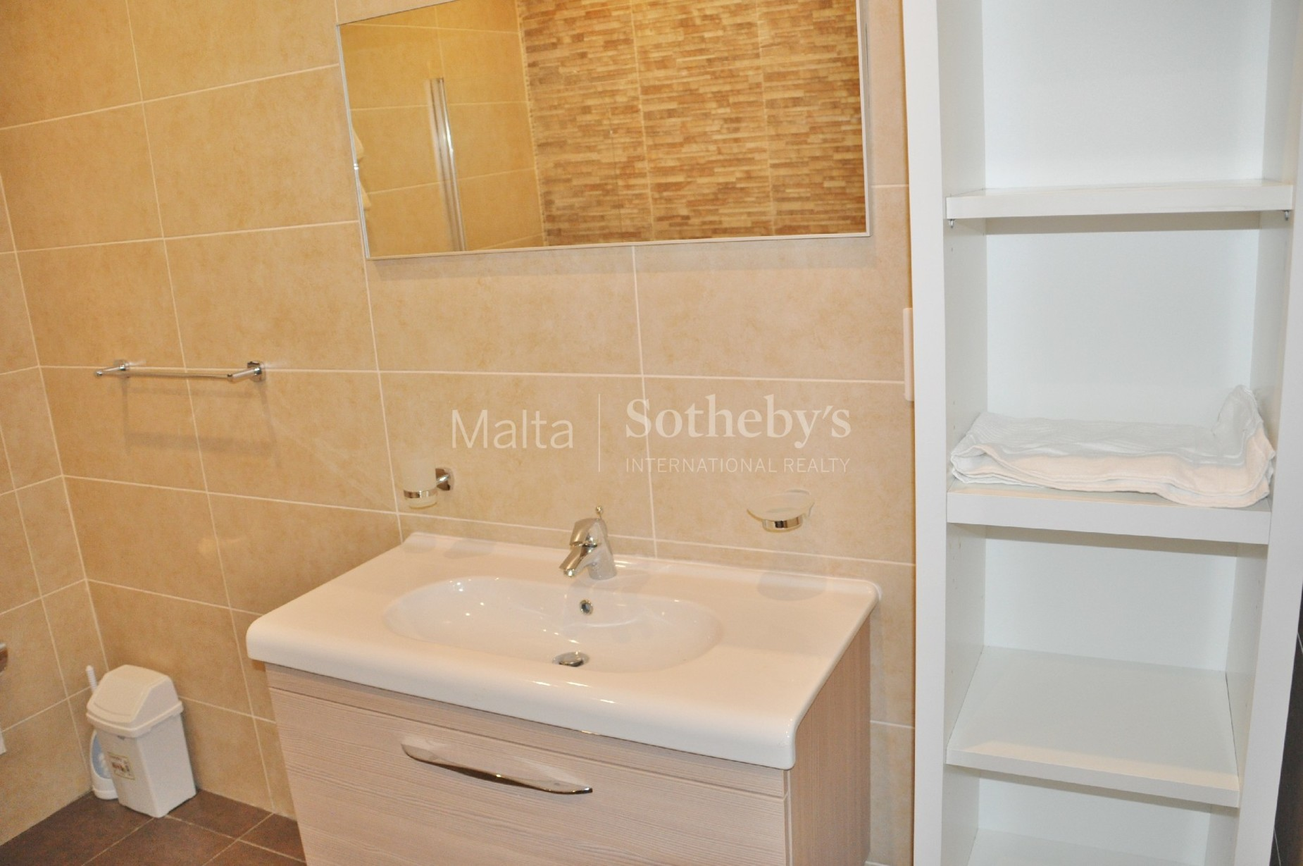 3 bed Apartment For Rent in Xemxija, Xemxija - thumb 8