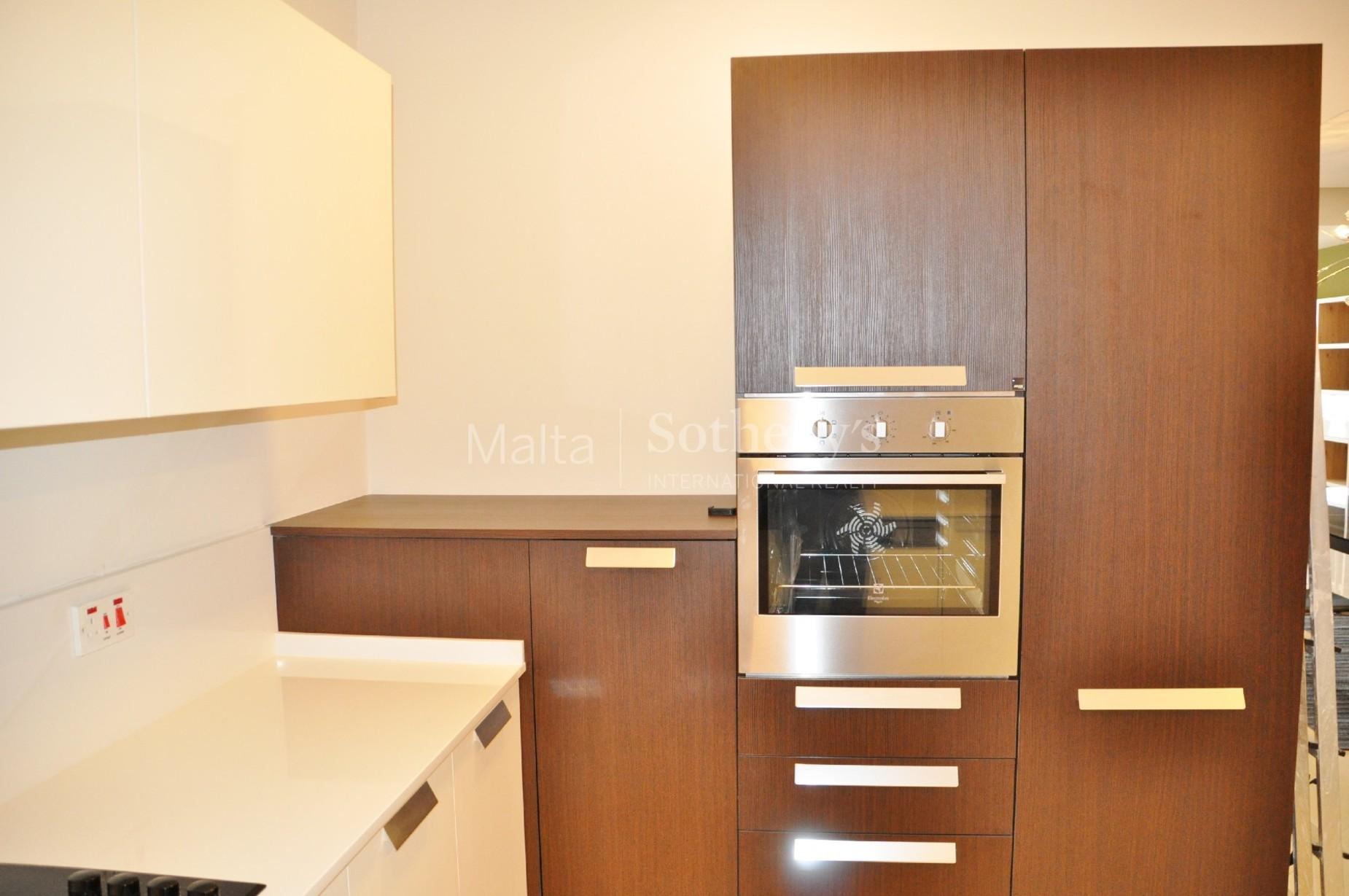 3 bed Apartment For Rent in Xemxija, Xemxija - thumb 10