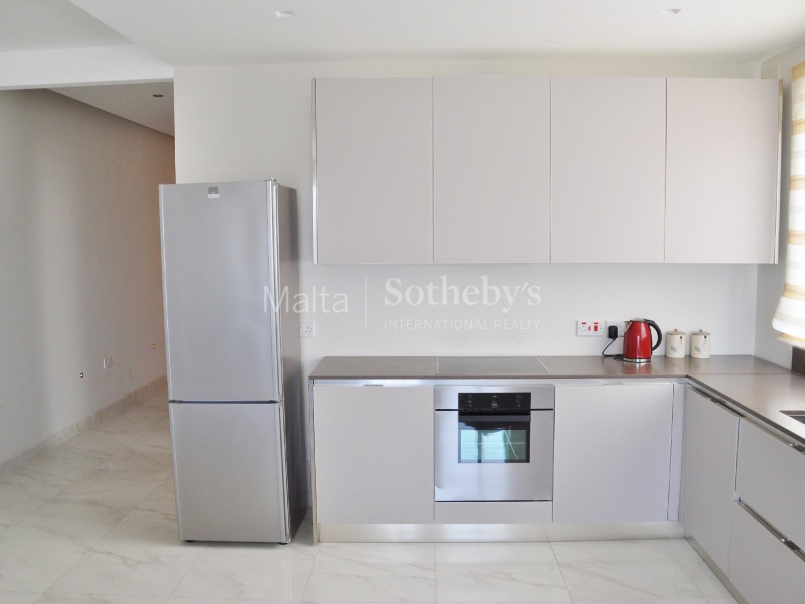 2 bed Penthouse For Rent in Xemxija, Xemxija - thumb 10