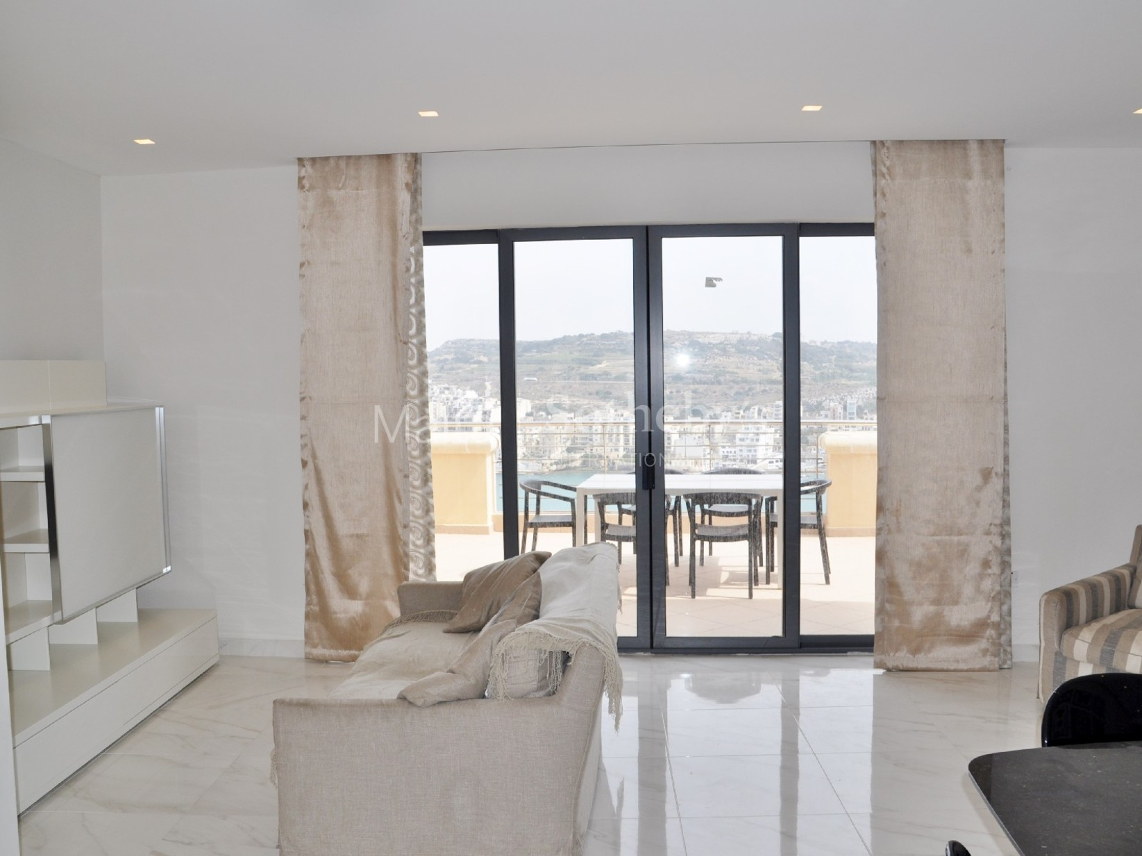 2 bed Penthouse For Rent in Xemxija, Xemxija - thumb 4