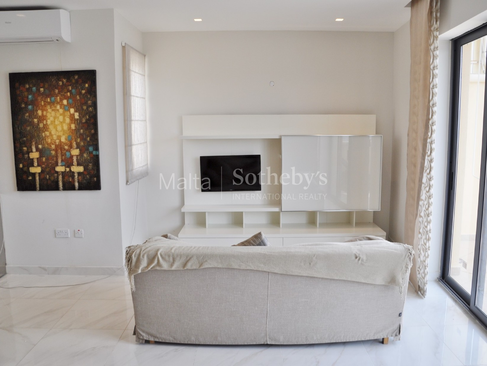 2 bed Penthouse For Rent in Xemxija, Xemxija - thumb 7
