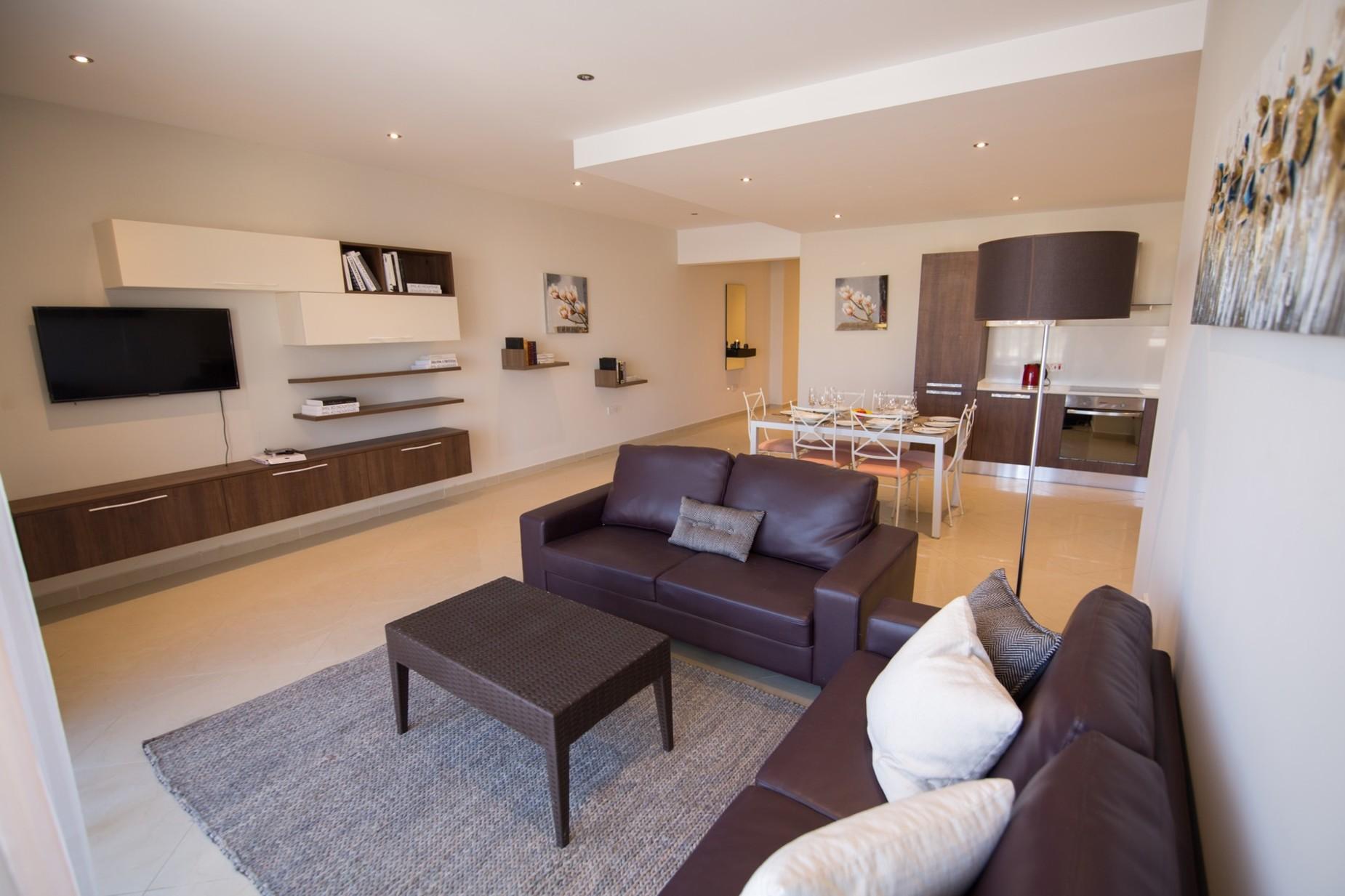 2 bed Apartment For Rent in Xemxija, Xemxija - thumb 5