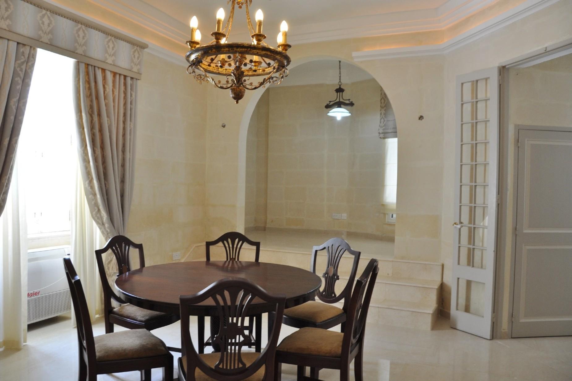 4 bed Villa For Rent in Ta' Xbiex, Ta' Xbiex - thumb 3