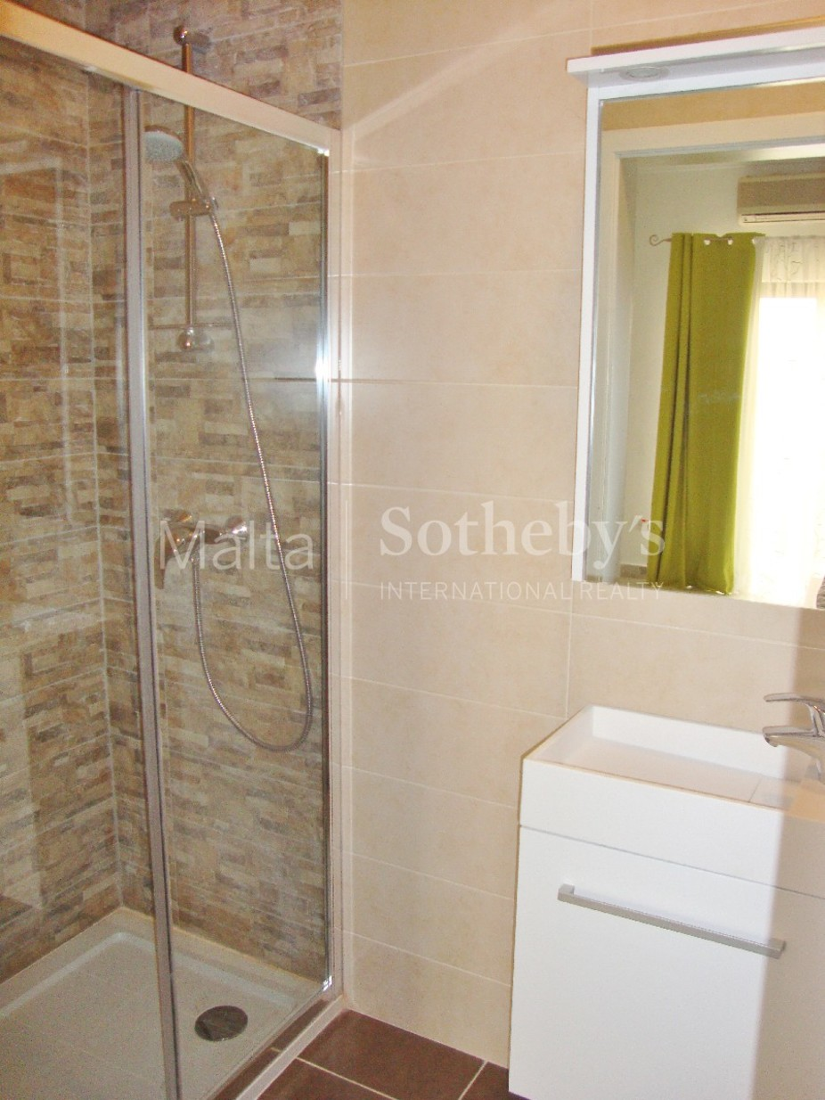 3 bed Penthouse For Rent in St Julian's, St Julian's - thumb 9