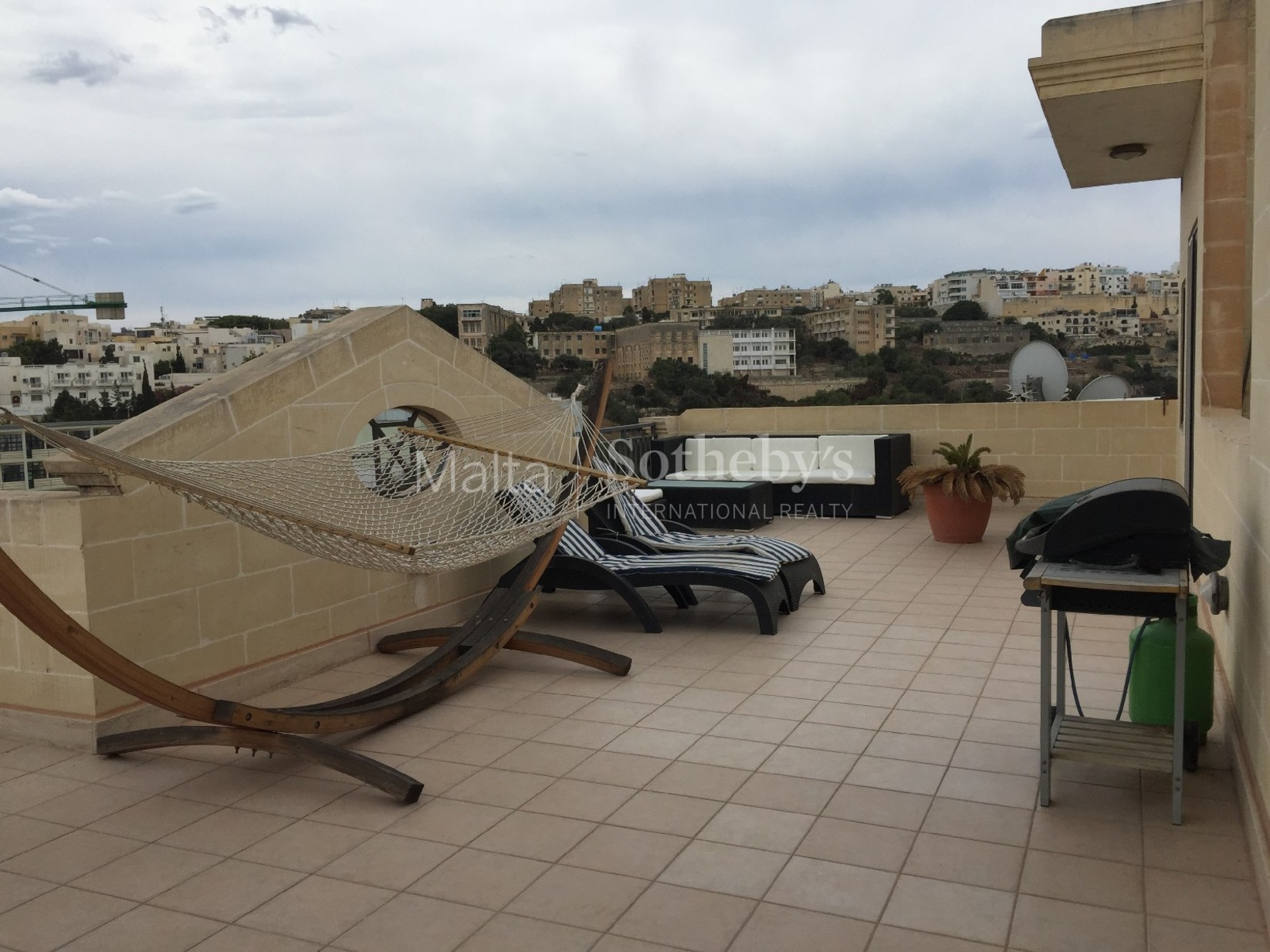 2 bed Penthouse For Rent in St Julian's, St Julian's - thumb 5