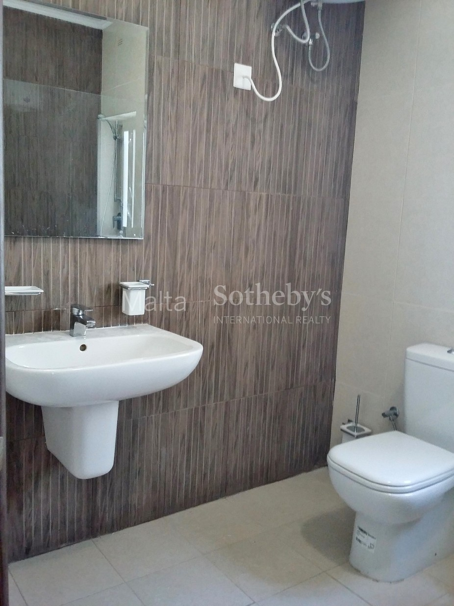 2 bed Apartment For Rent in Swieqi, Swieqi - thumb 6