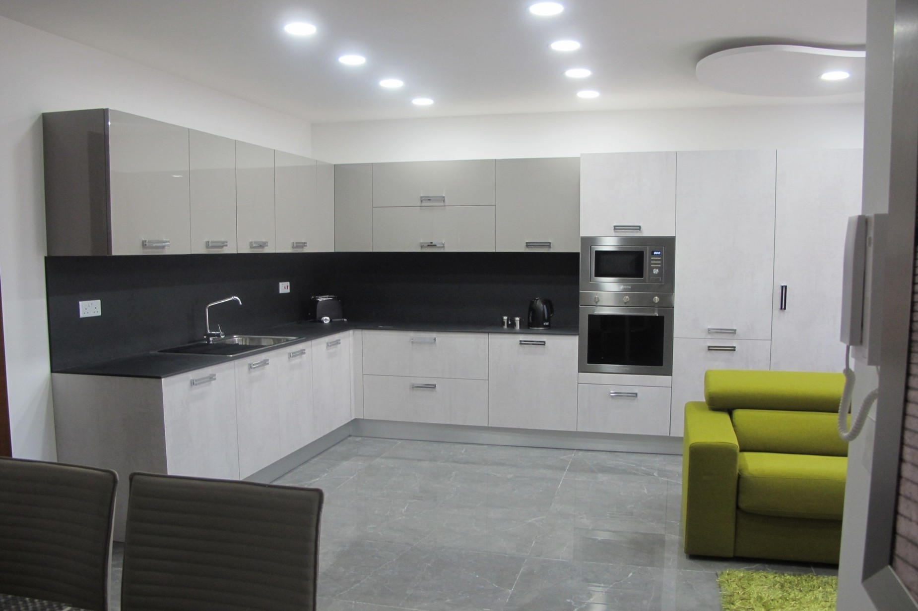 1 bed Penthouse For Rent in Sliema, Sliema - thumb 2