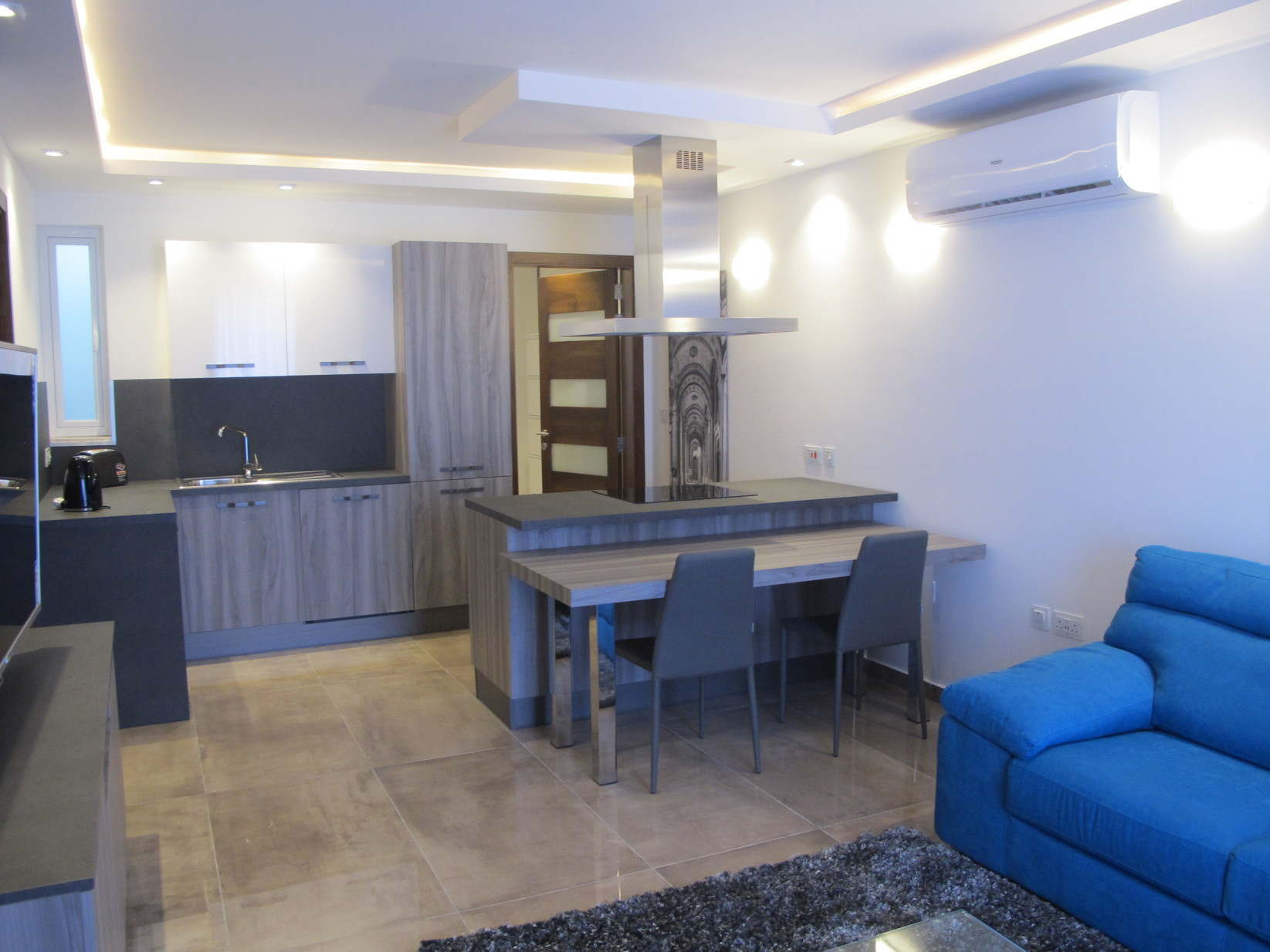 1 bed Penthouse For Rent in Gzira, Gzira - thumb 3