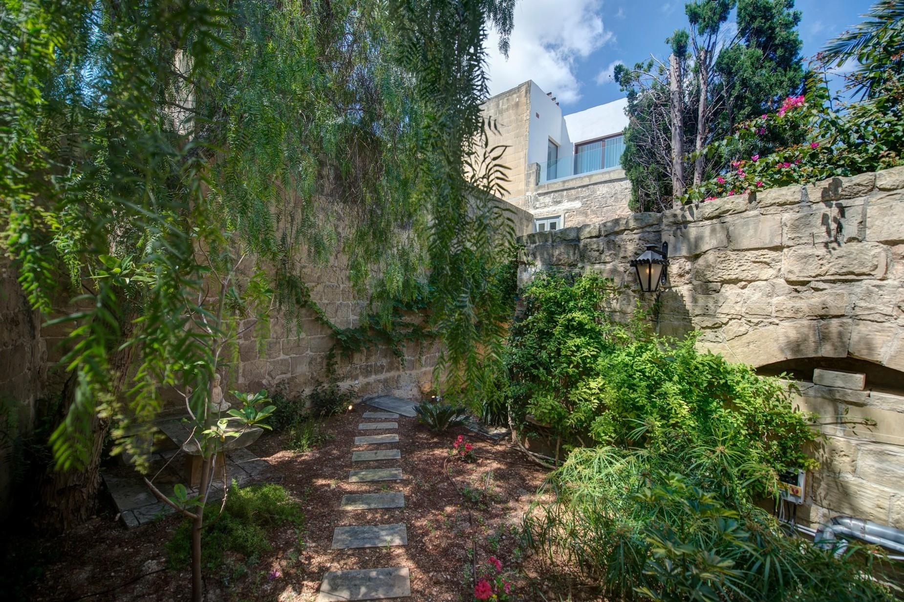 5 bed Palazzo For Sale in Qormi, Qormi - thumb 13