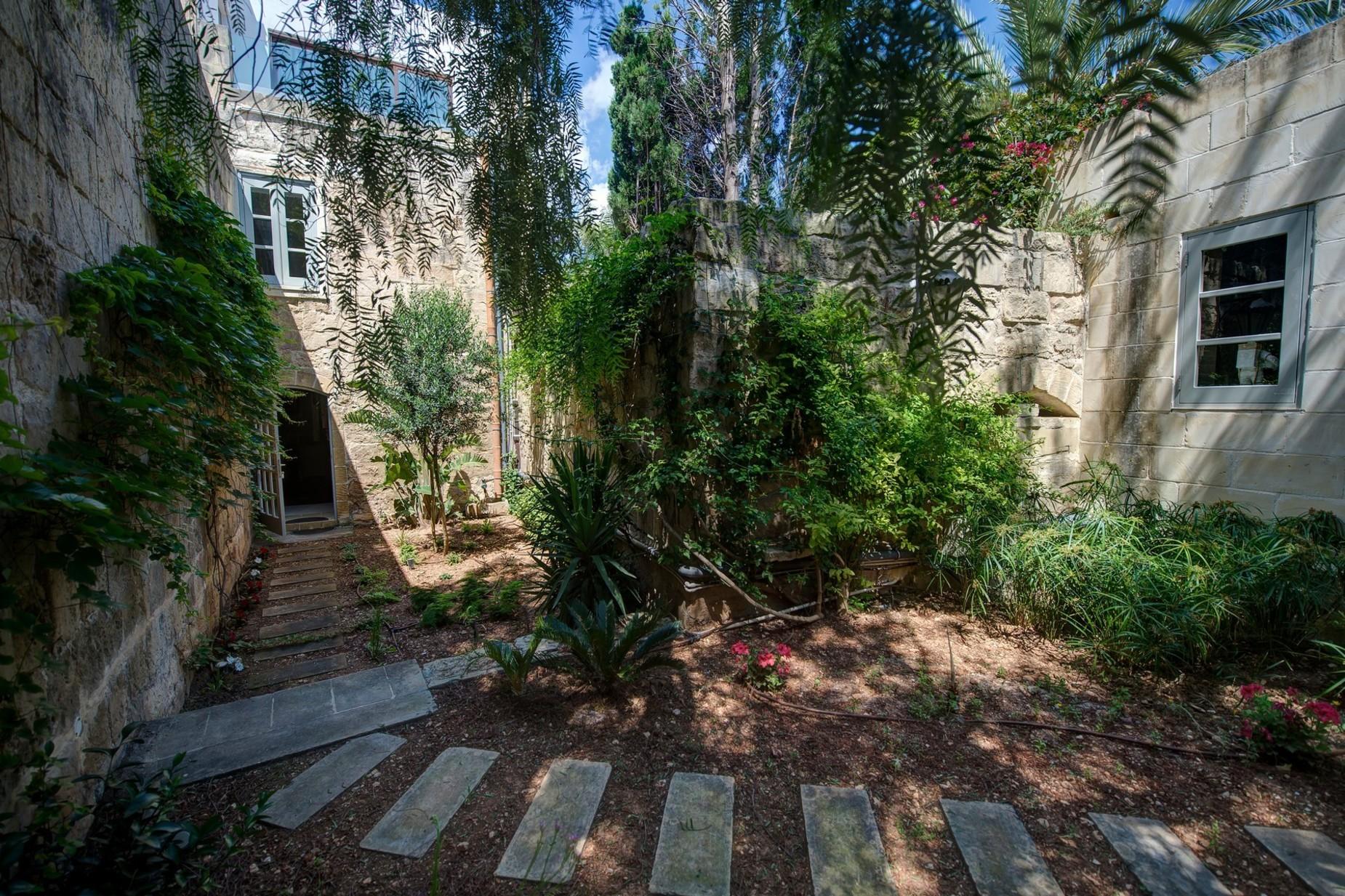 5 bed Palazzo For Sale in Qormi, Qormi - thumb 10