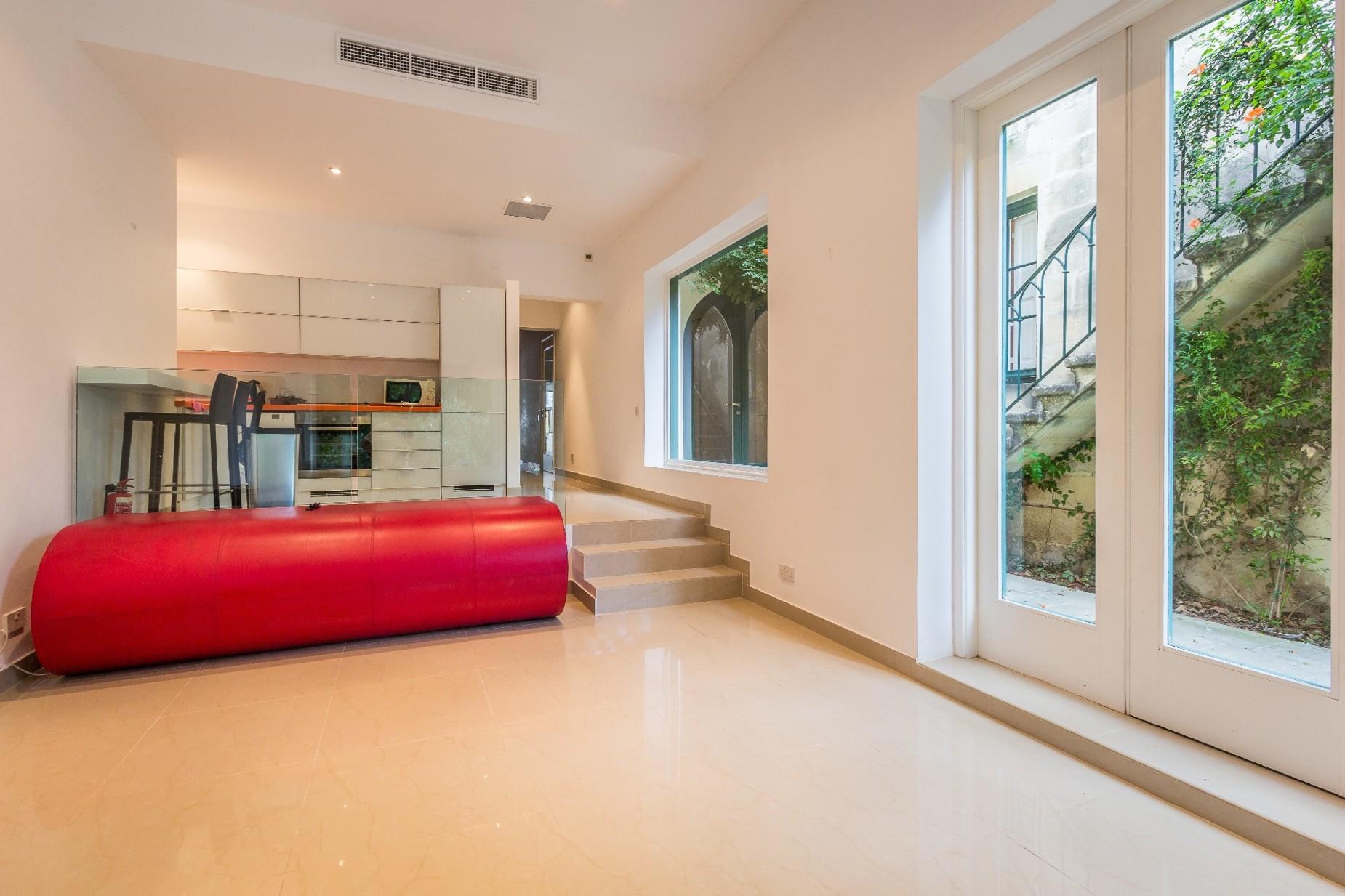 6 bed Palazzo For Rent in Balzan, Balzan - thumb 11
