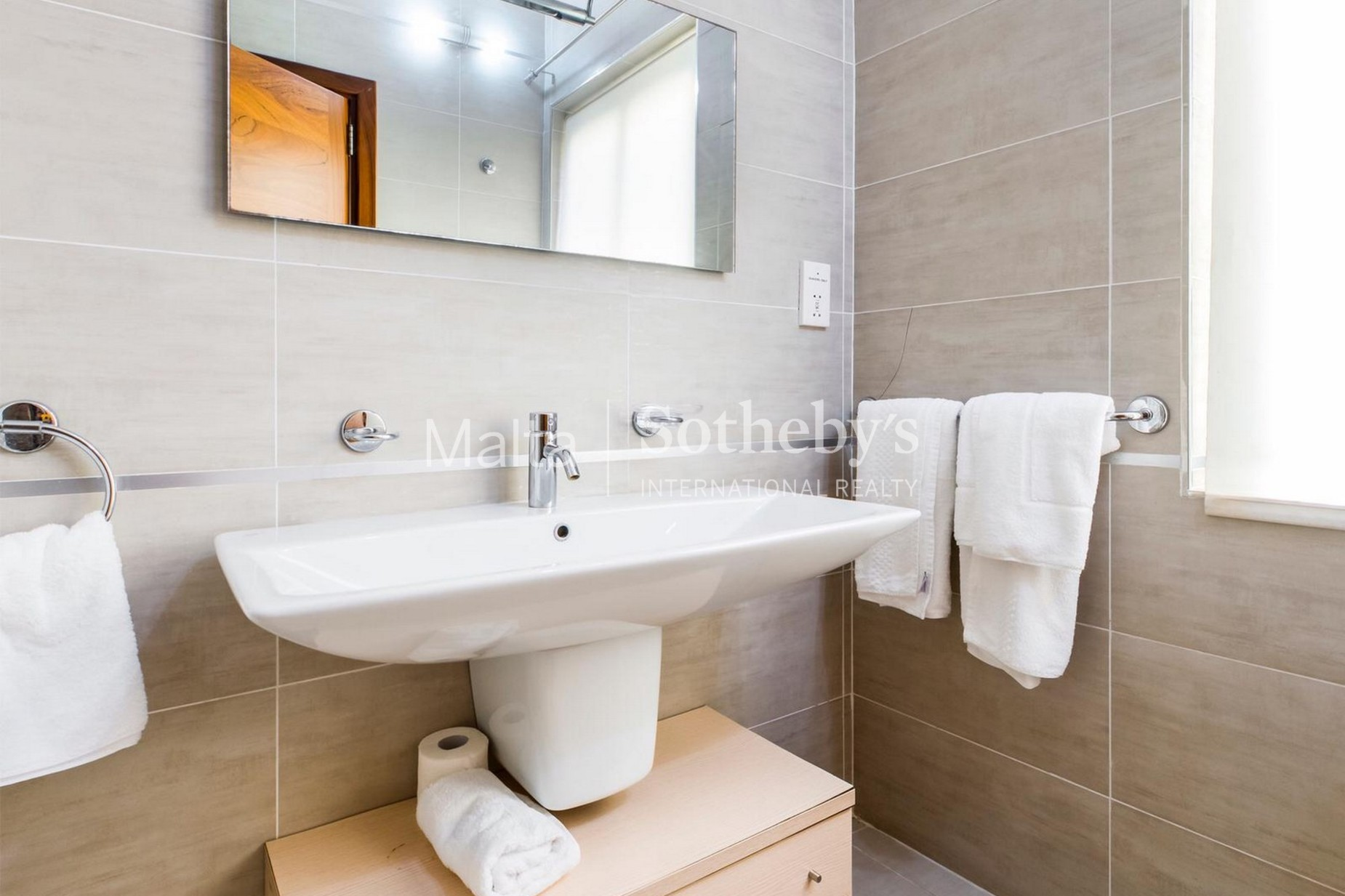 2 bed Penthouse For Rent in Sliema, Sliema - thumb 11