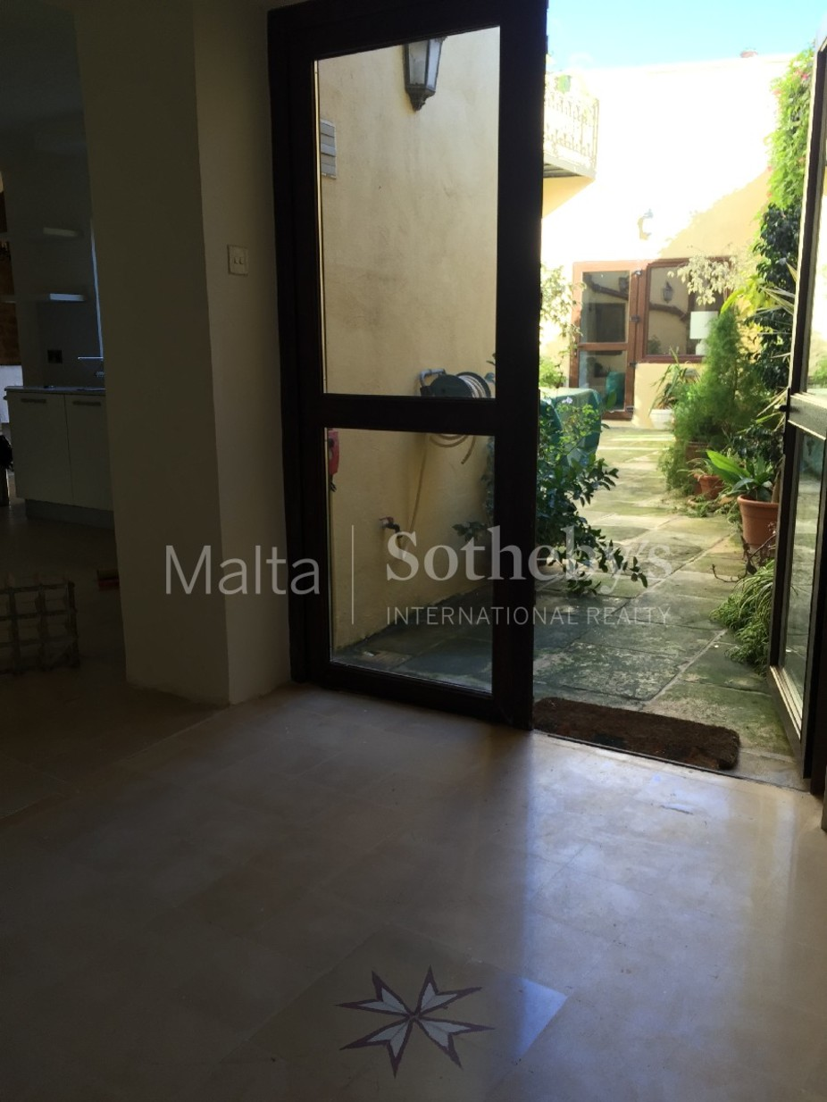 2 bed Town House For Rent in Siggiewi, Siggiewi - thumb 8