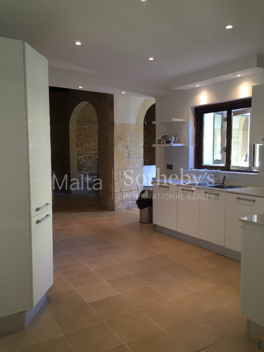 2 bed Town House For Rent in Siggiewi, Siggiewi - thumb 6