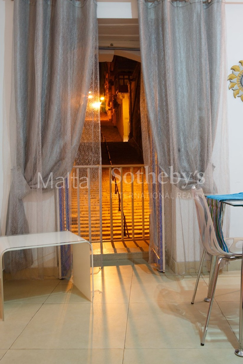 2 bed Apartment For Rent in Valletta, Valletta - thumb 7