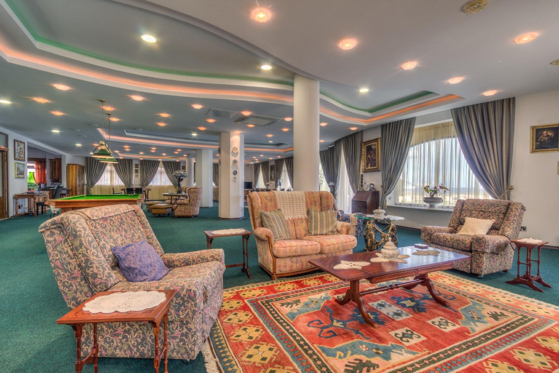7 bed Villa For Rent in Mellieha, Mellieha - thumb 6
