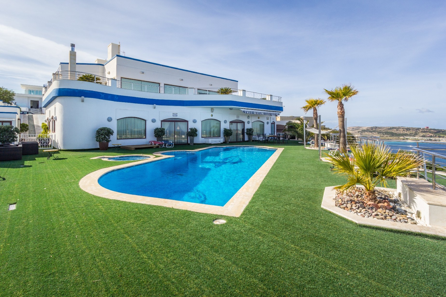 7 bed Villa For Rent in Mellieha, Mellieha - thumb 2