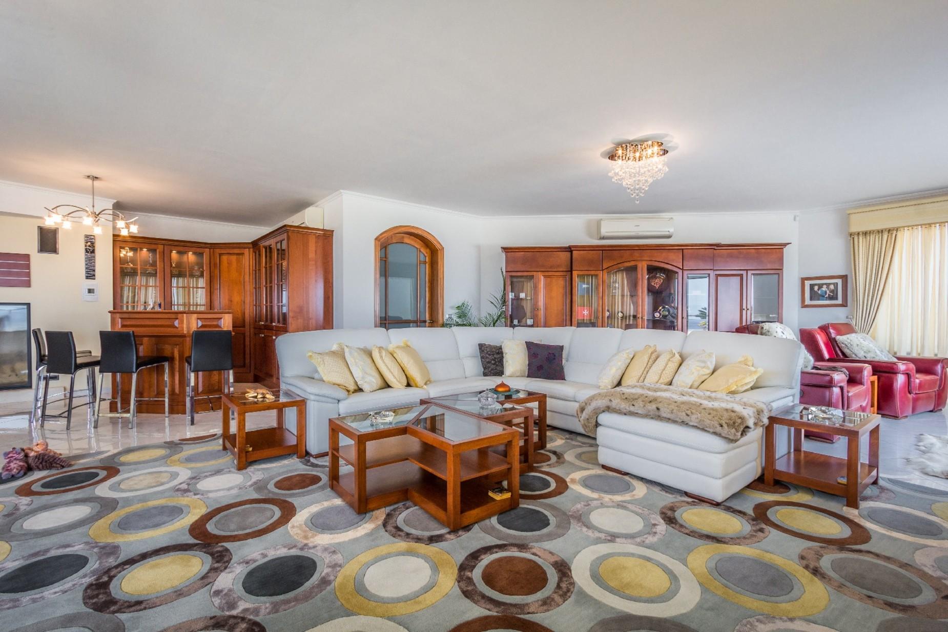 7 bed Villa For Rent in Mellieha, Mellieha - thumb 10