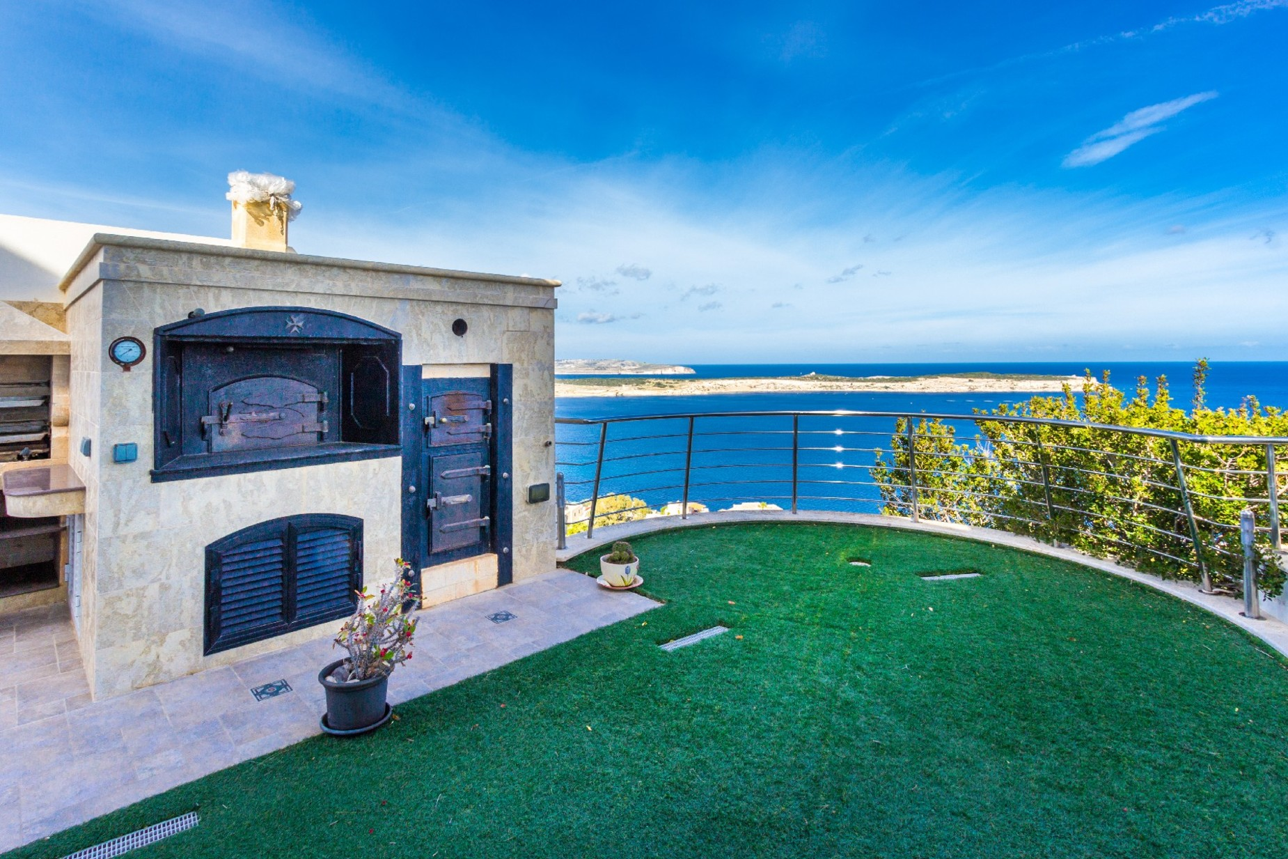 7 bed Villa For Sale in Mellieha, Mellieha - thumb 3