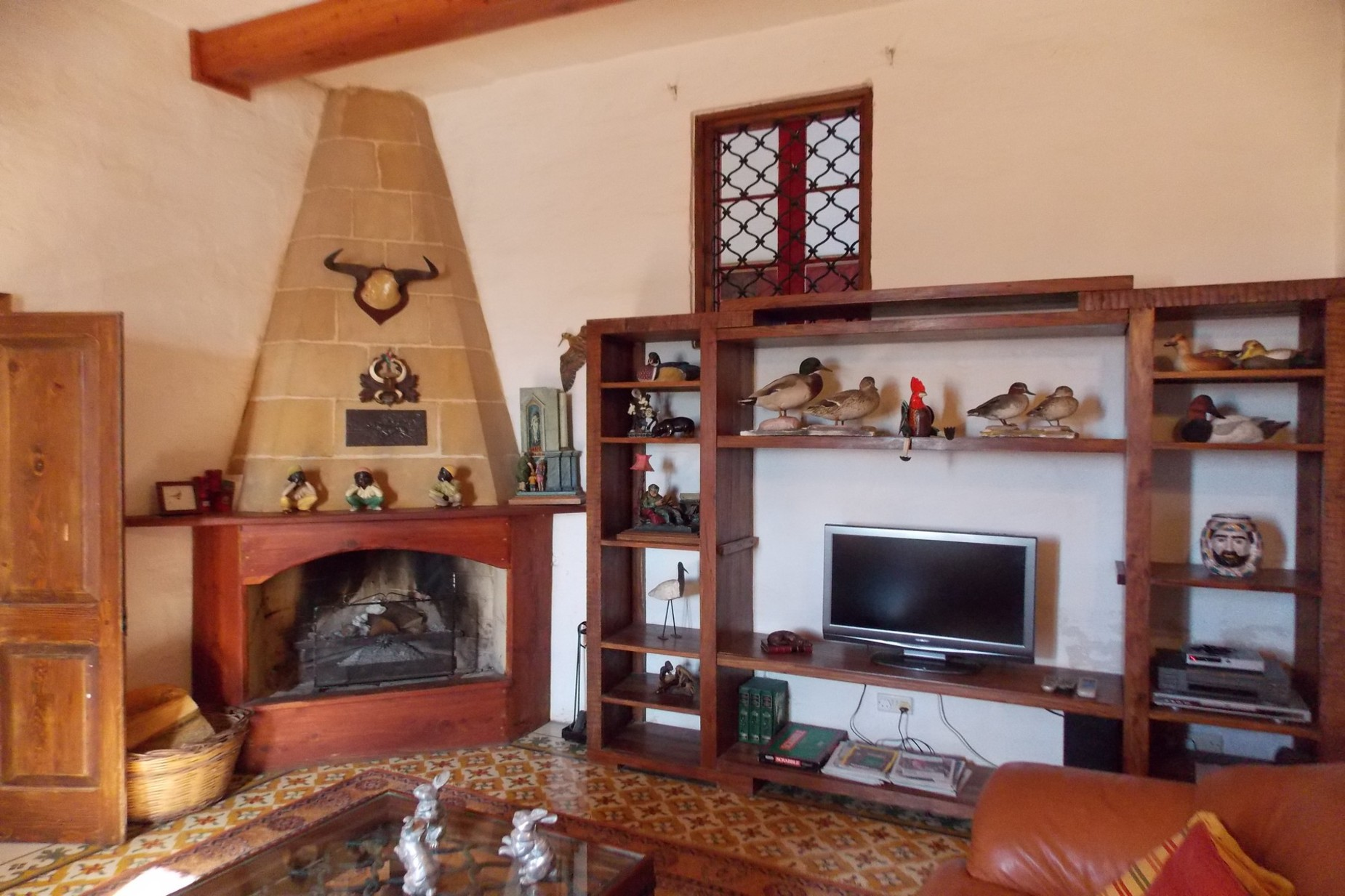 5 bed Farmhouse For Sale in Xaghra, Xaghra - thumb 3