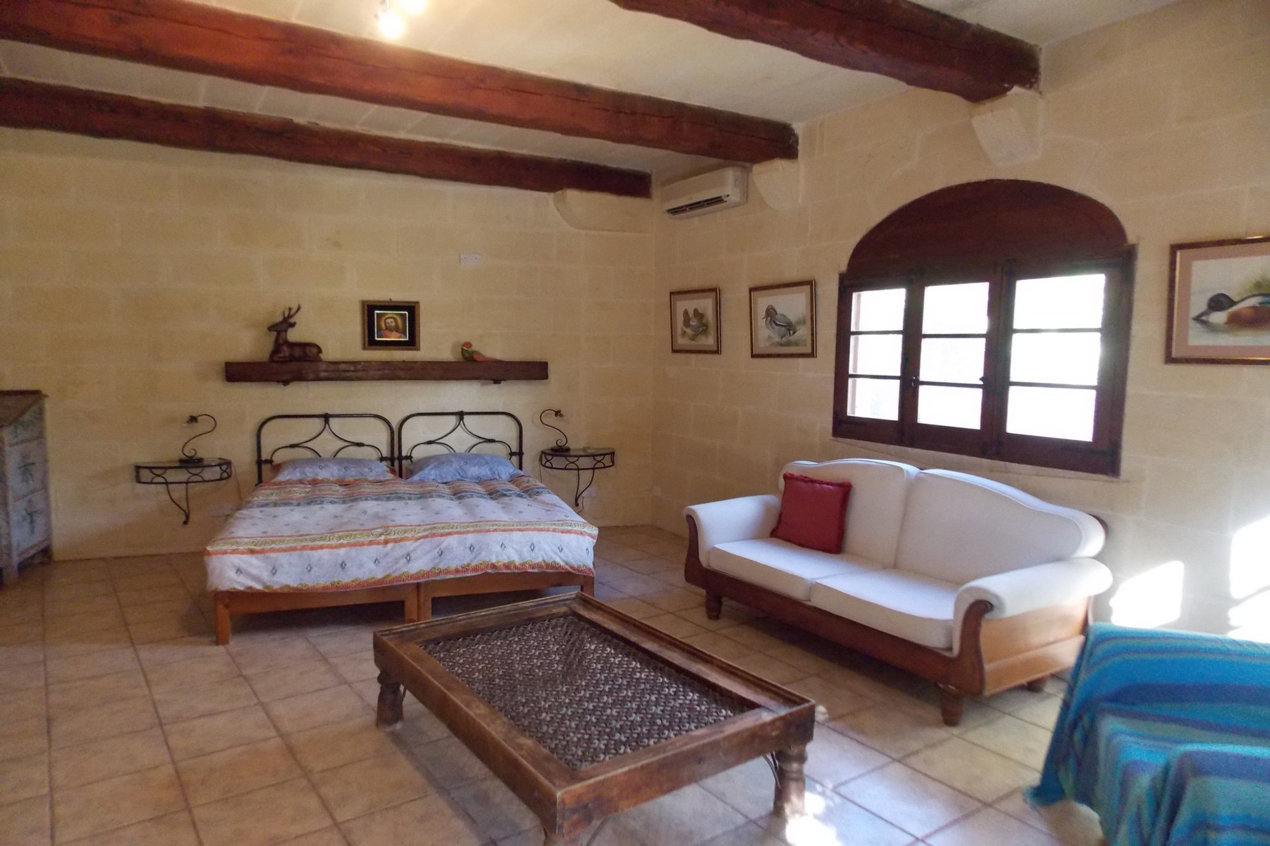 5 bed Farmhouse For Sale in Xaghra, Xaghra - thumb 8
