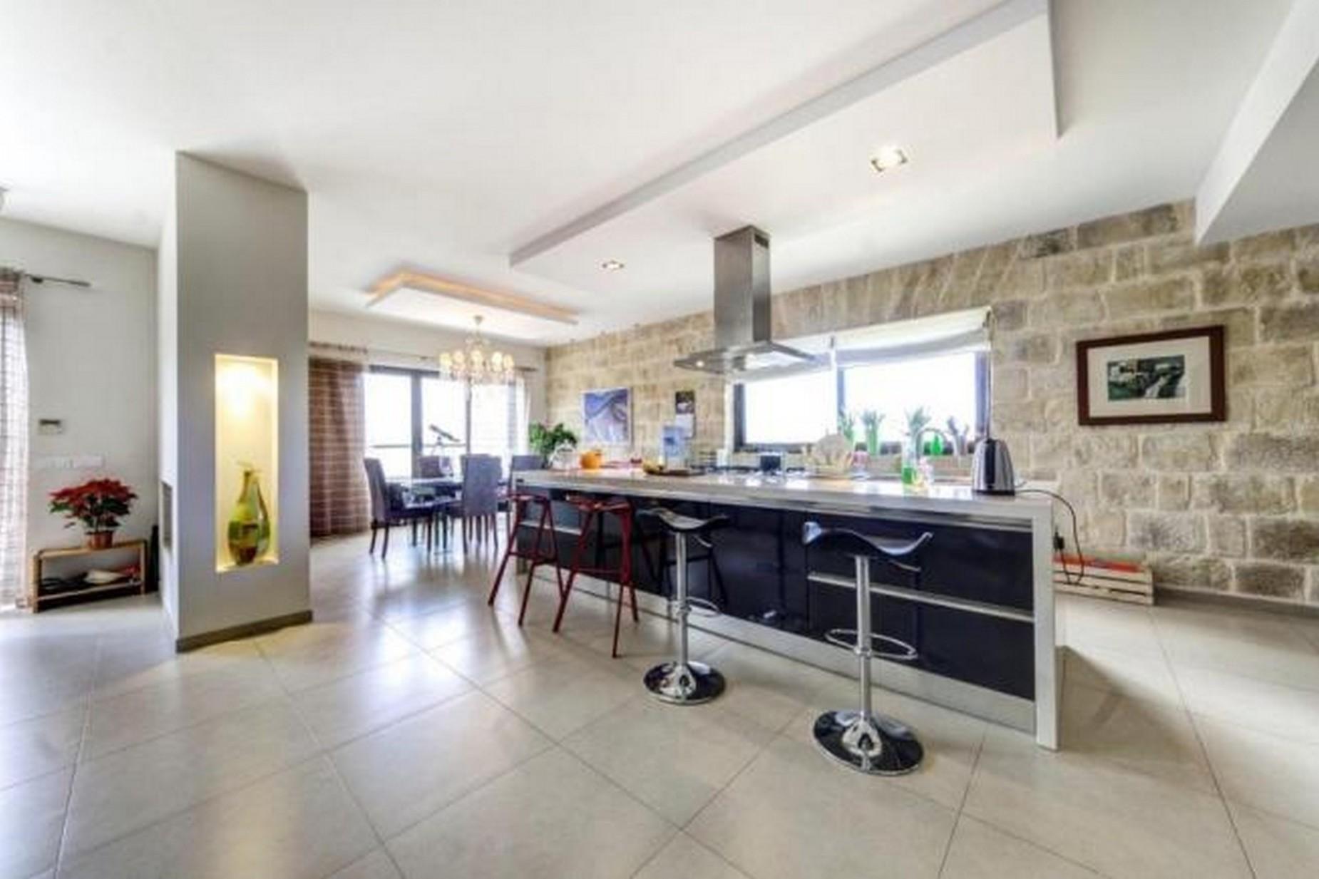 4 bed Villa For Rent in Marsascala, Marsascala - thumb 7