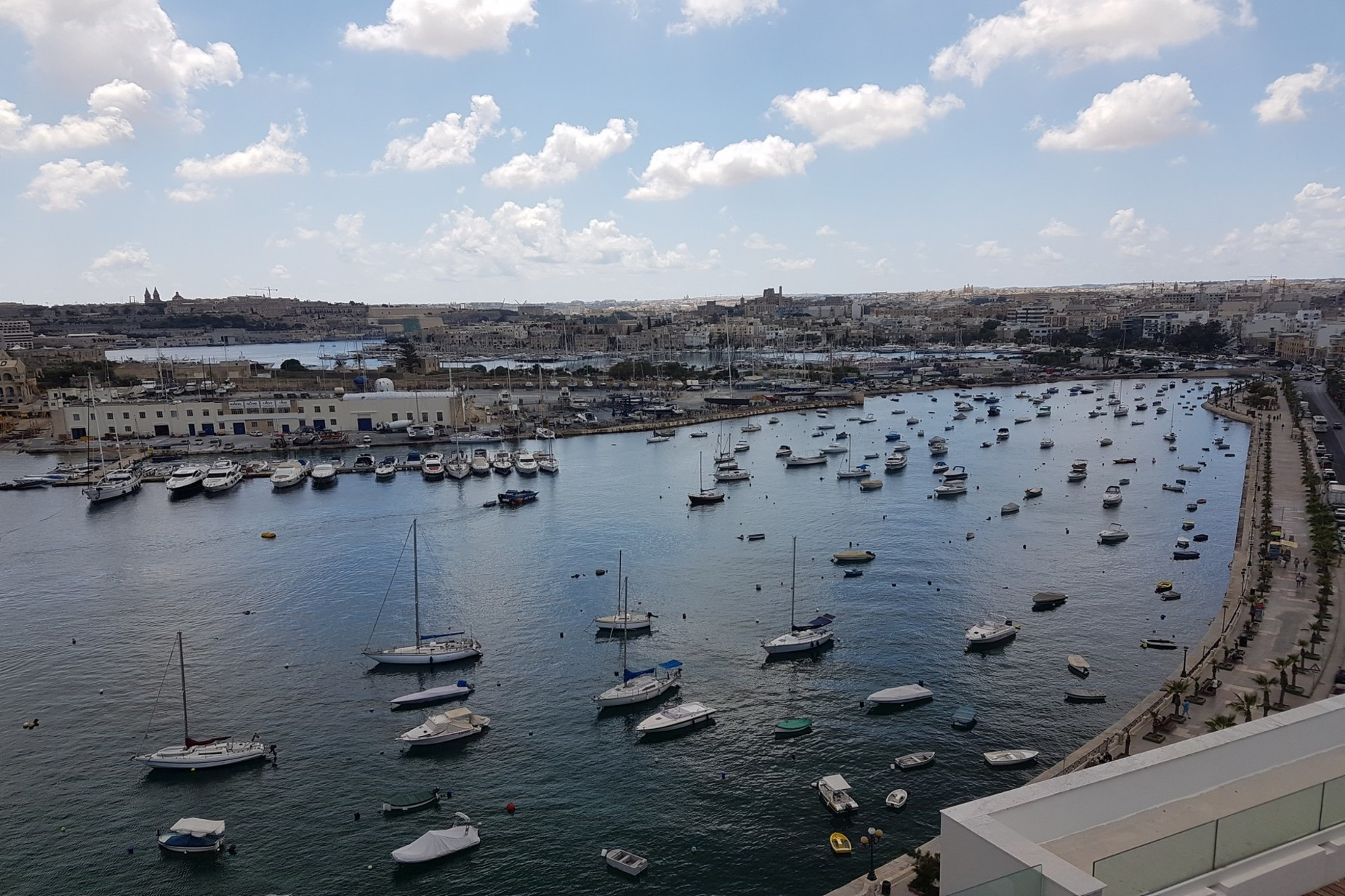 1 bed Penthouse For Rent in Gzira, Gzira - thumb 2