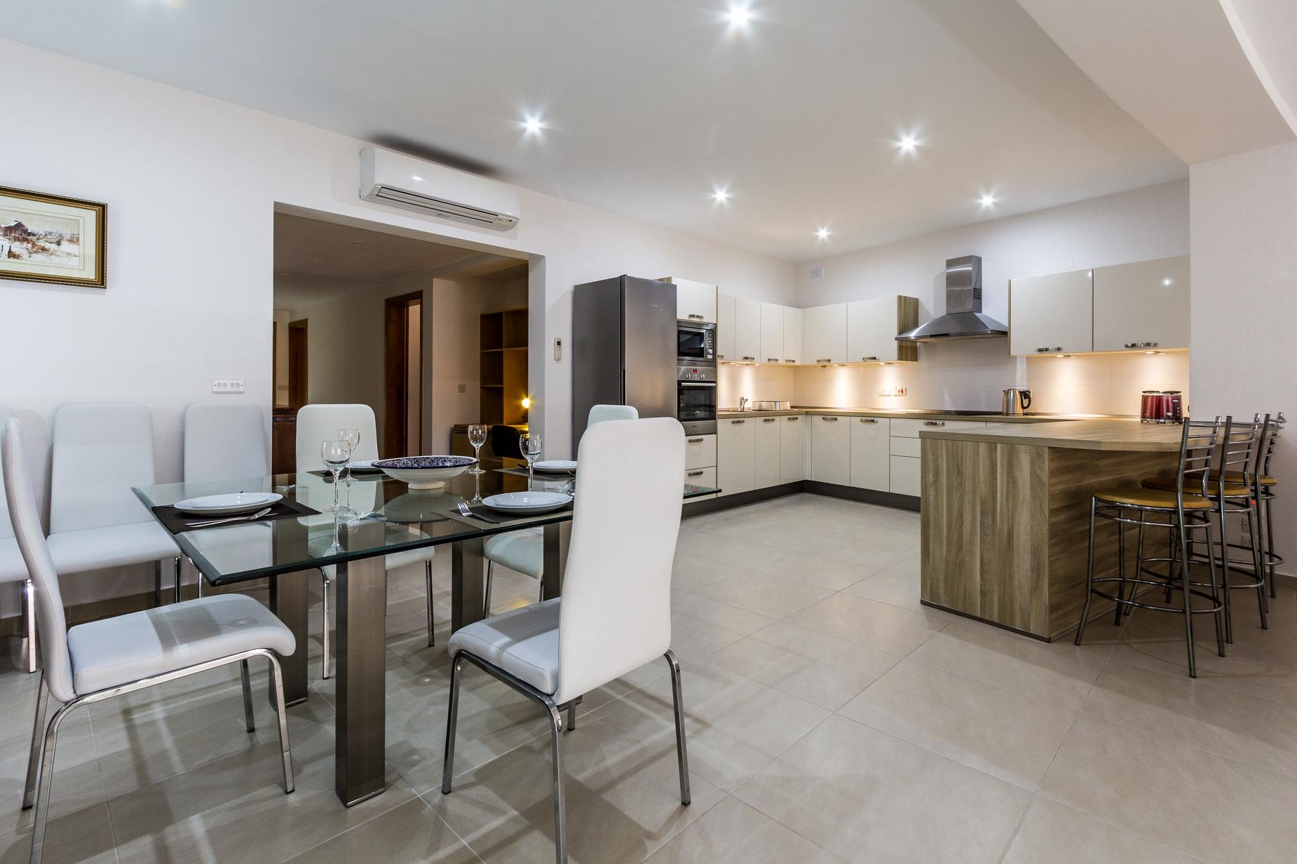 2 bed Apartment For Rent in Marsascala, Marsascala - thumb 5