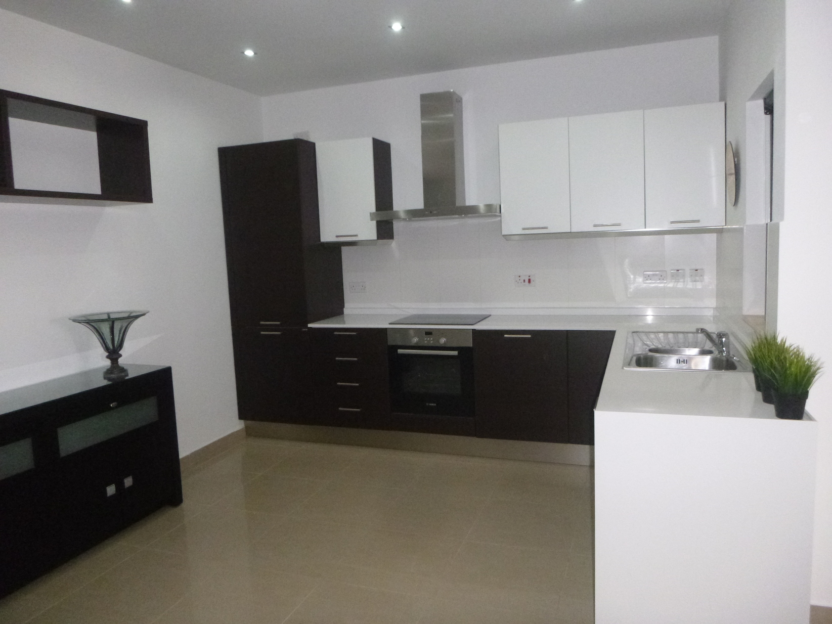 3 bed Apartment For Rent in Ibragg, Ibragg - thumb 8