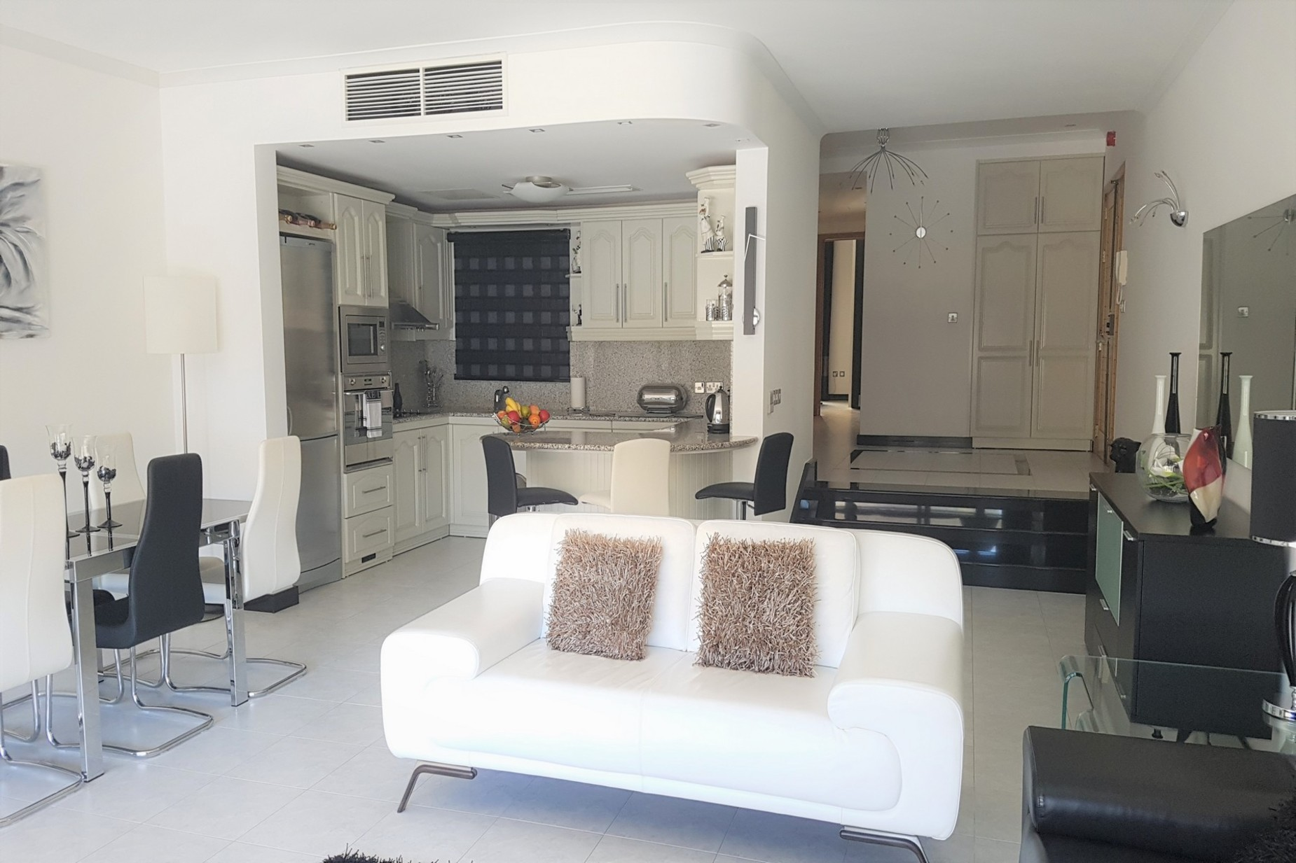 2 bed Apartment For Sale in St Julian's, St Julian's - thumb 2