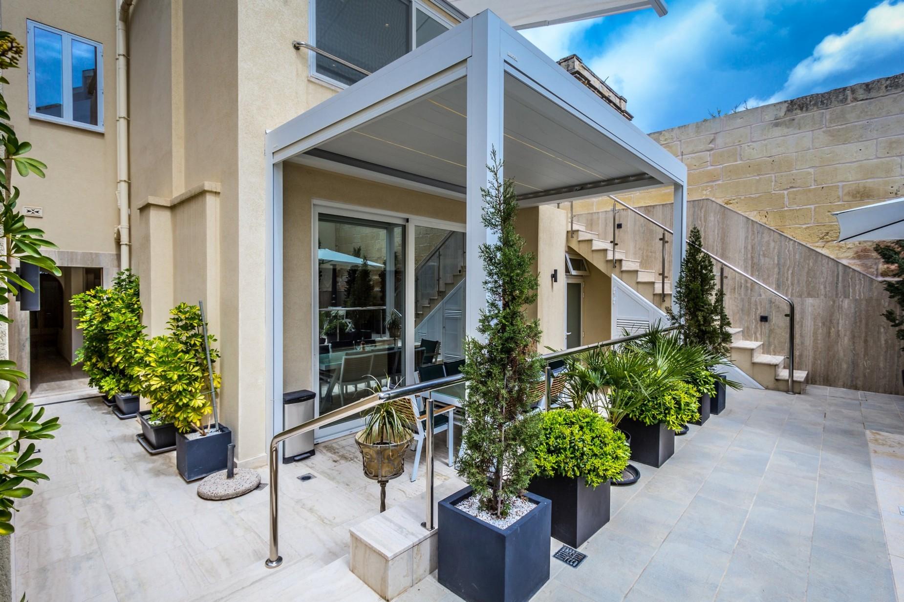 3 bed Villa For Sale in Ta' Xbiex, Ta' Xbiex - thumb 8