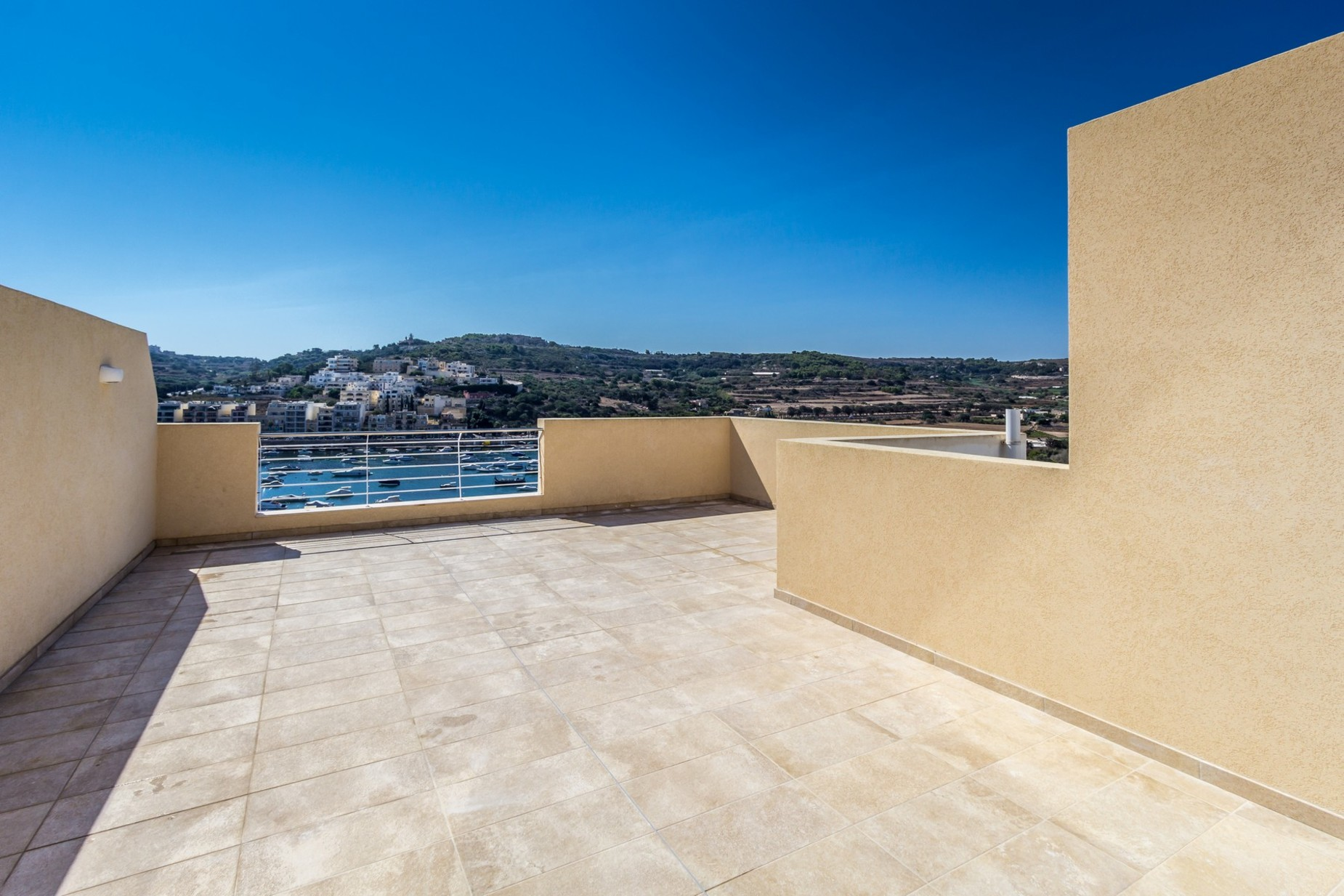 3 bed Apartment For Rent in St Paul's Bay, St Paul's Bay - thumb 2